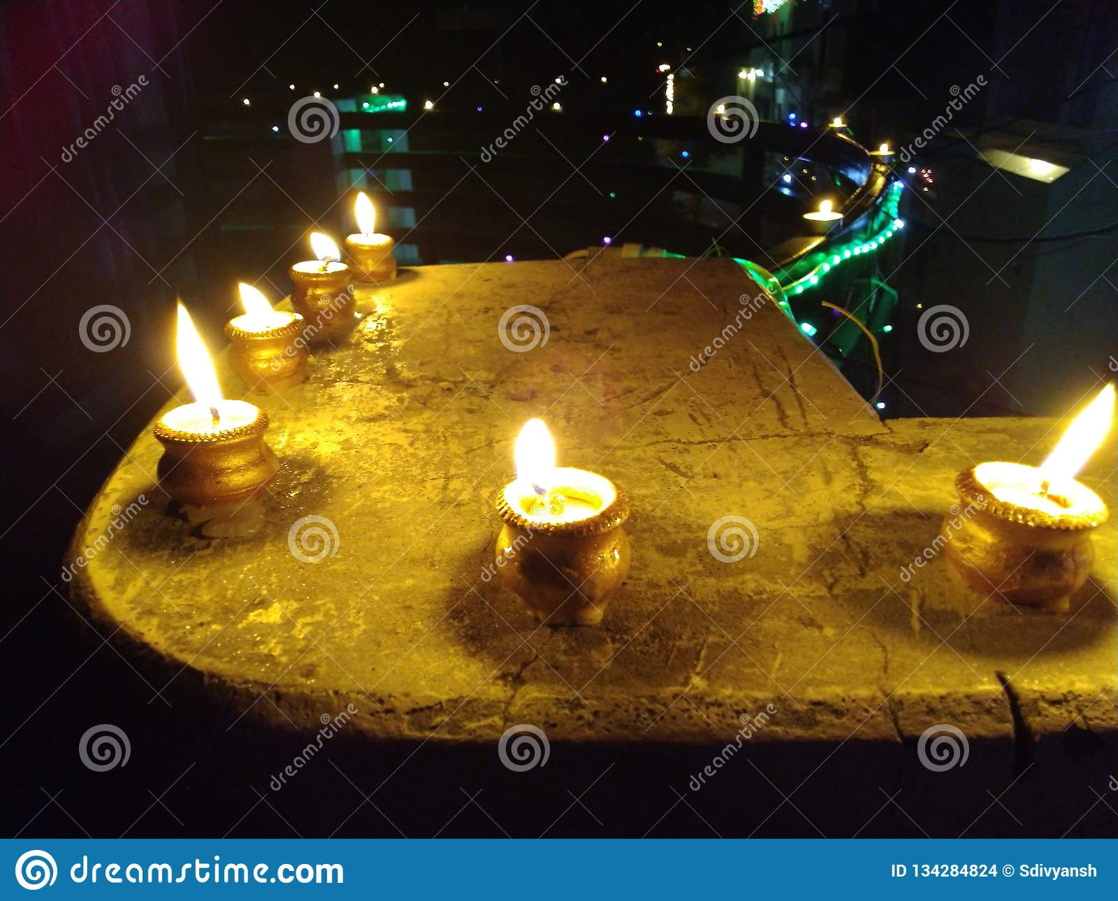 蜡烛diyas欢乐diwali的deepwali