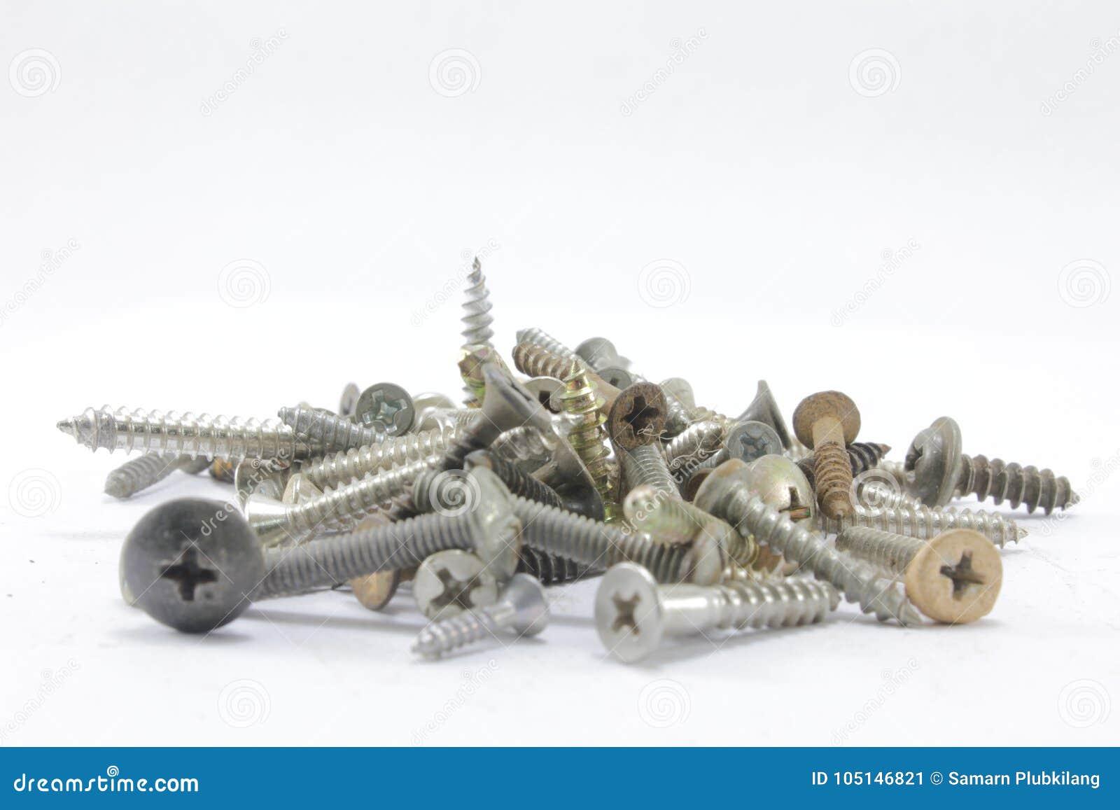 螺丝、坚果、螺栓和钉子
