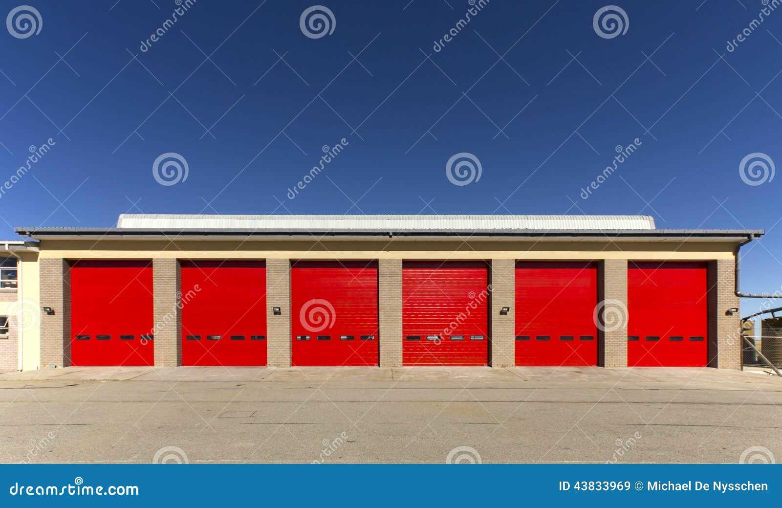 行业门停车库