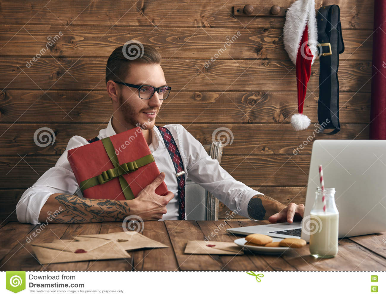 行家年轻人圣诞老人