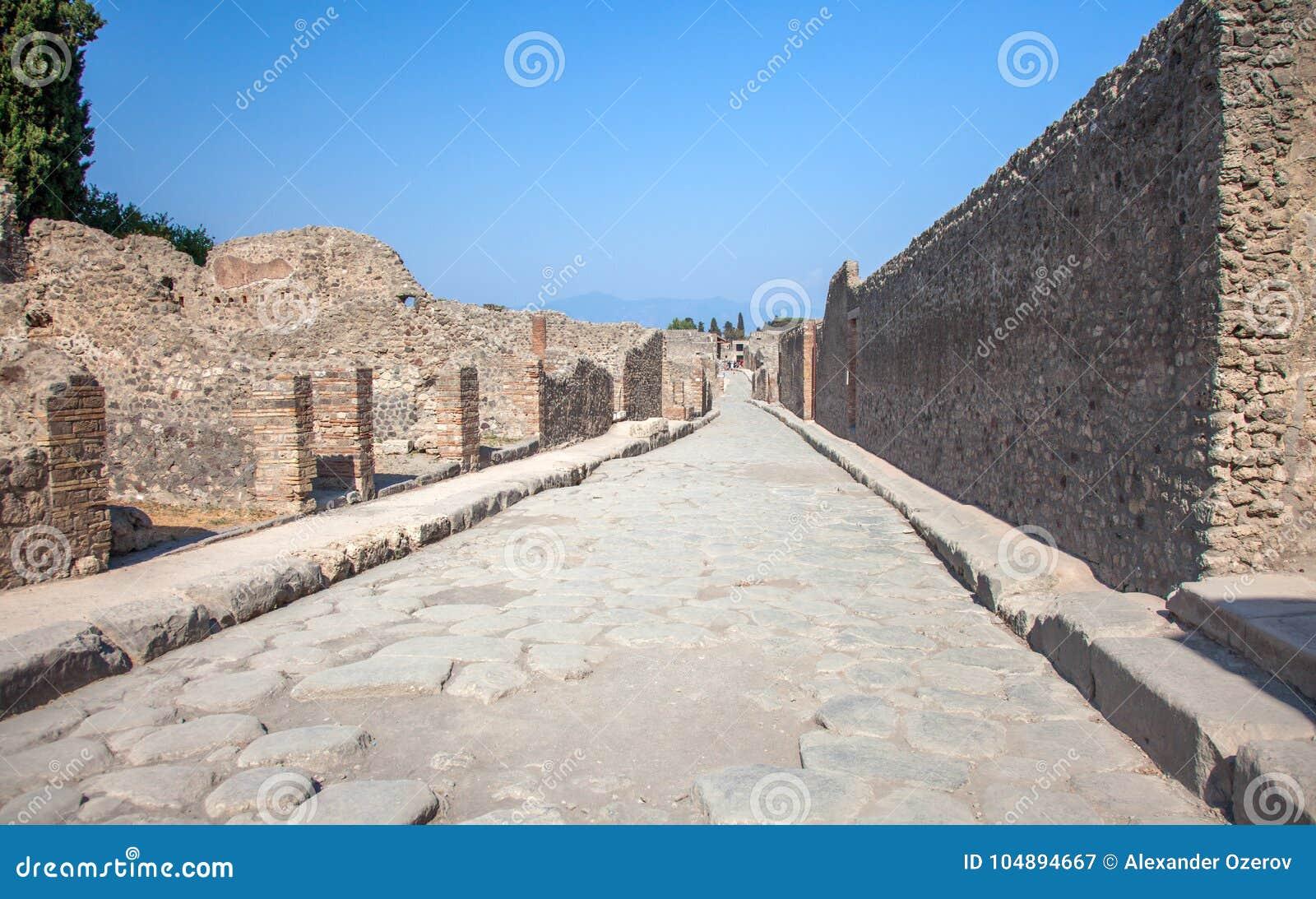 街道在庞贝城和维苏威,意大利
