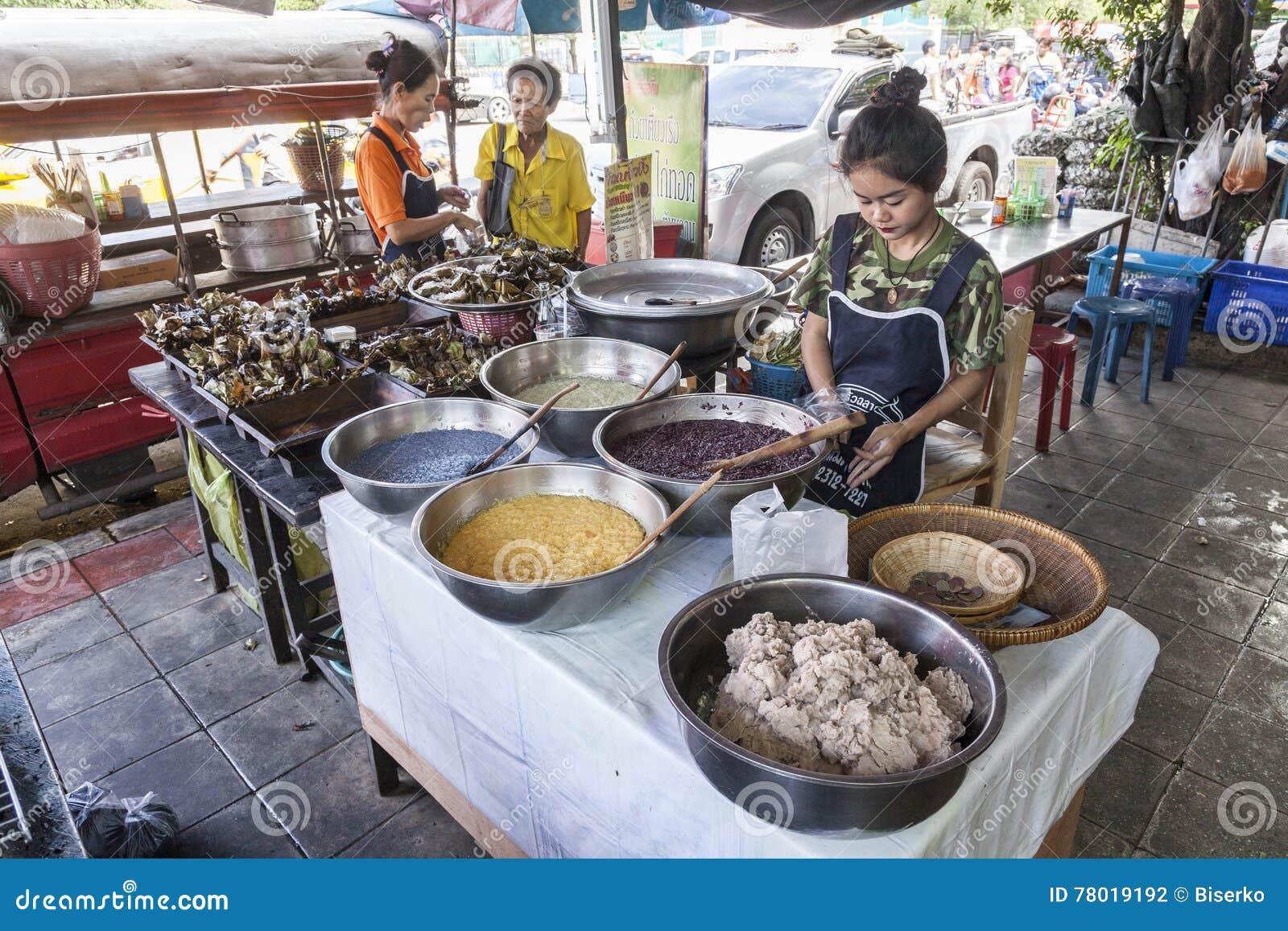 街道食物市场在曼谷