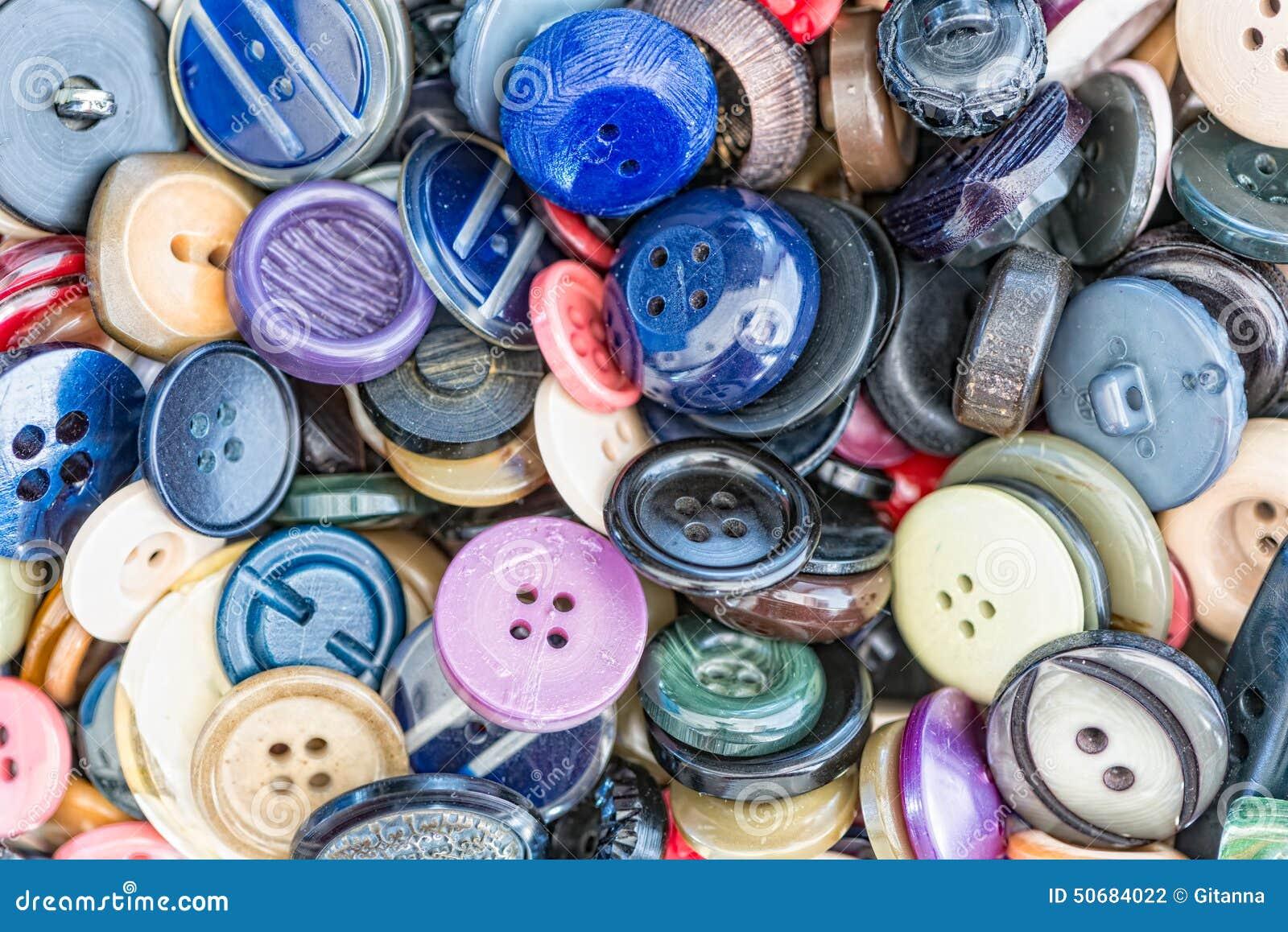 Download 衣裳的按钮 库存照片. 图片 包括有 五颜六色, 刺绣, 礼服, 收集, 设计, 蓝色, 衣物, 金属, 按钮 - 50684022
