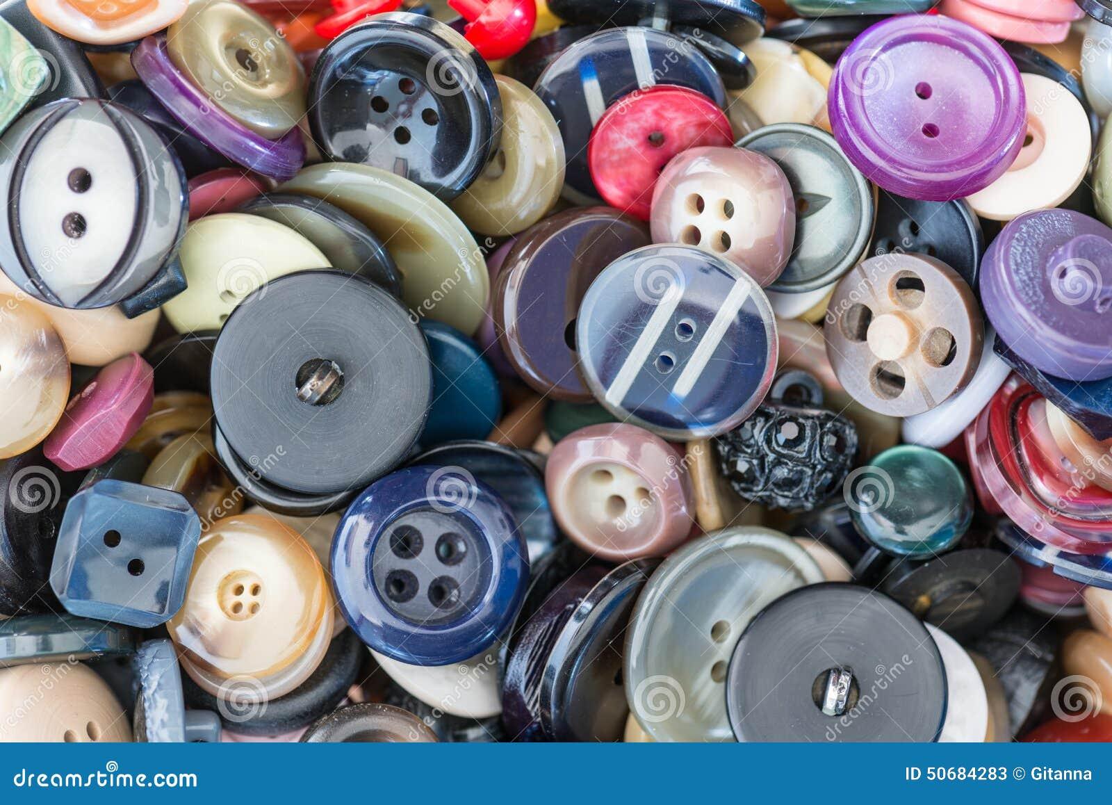 Download 衣裳的按钮 库存例证. 插画 包括有 grunge, 收集, 风土化, 织品, 礼服, browne, 详细资料 - 50684283