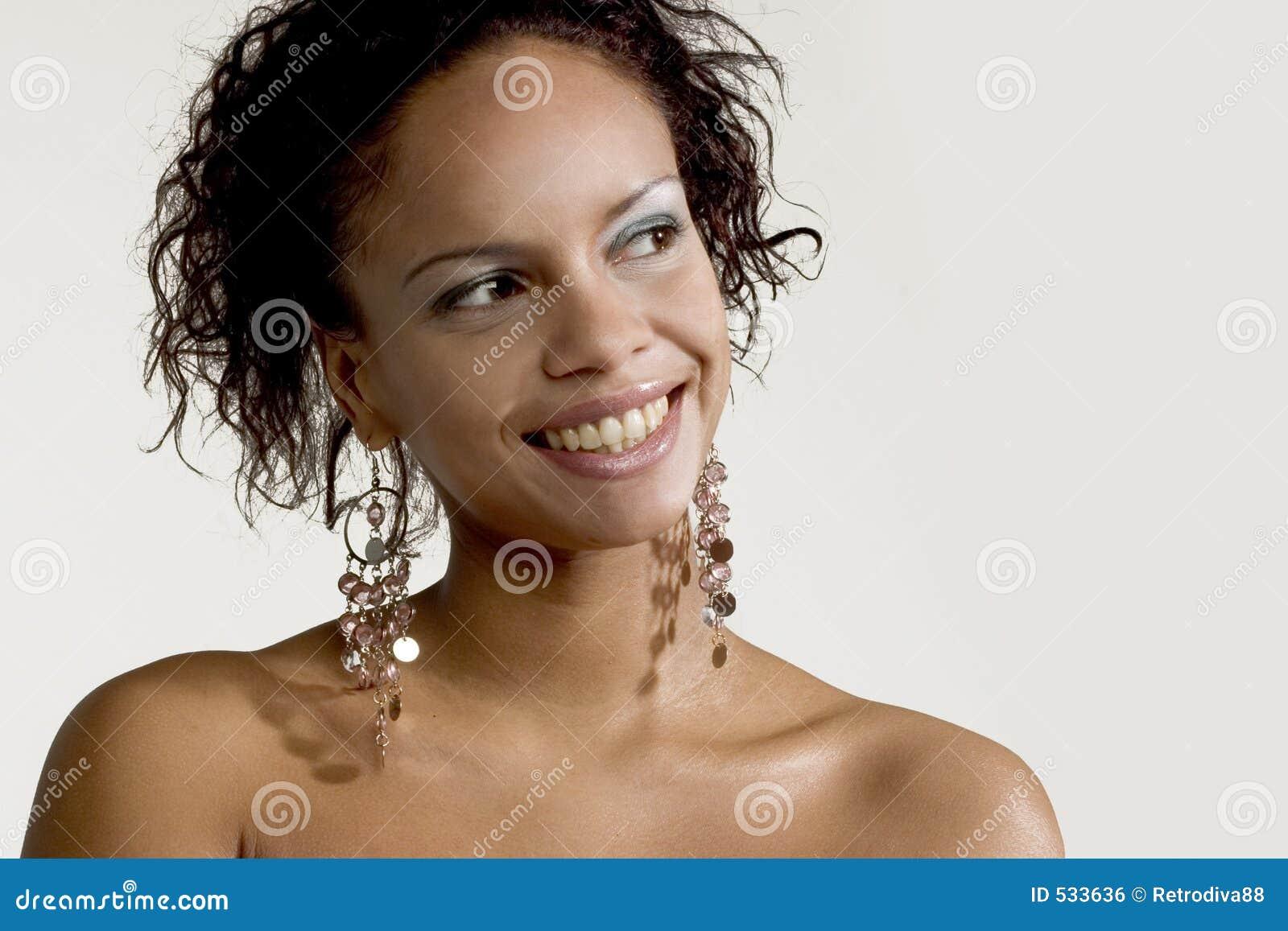 Download 表面俏丽微笑 库存照片. 图片 包括有 和平, haircare, 脸色, 眼睛, 方式, 头发, 破擦声, 女孩 - 533636