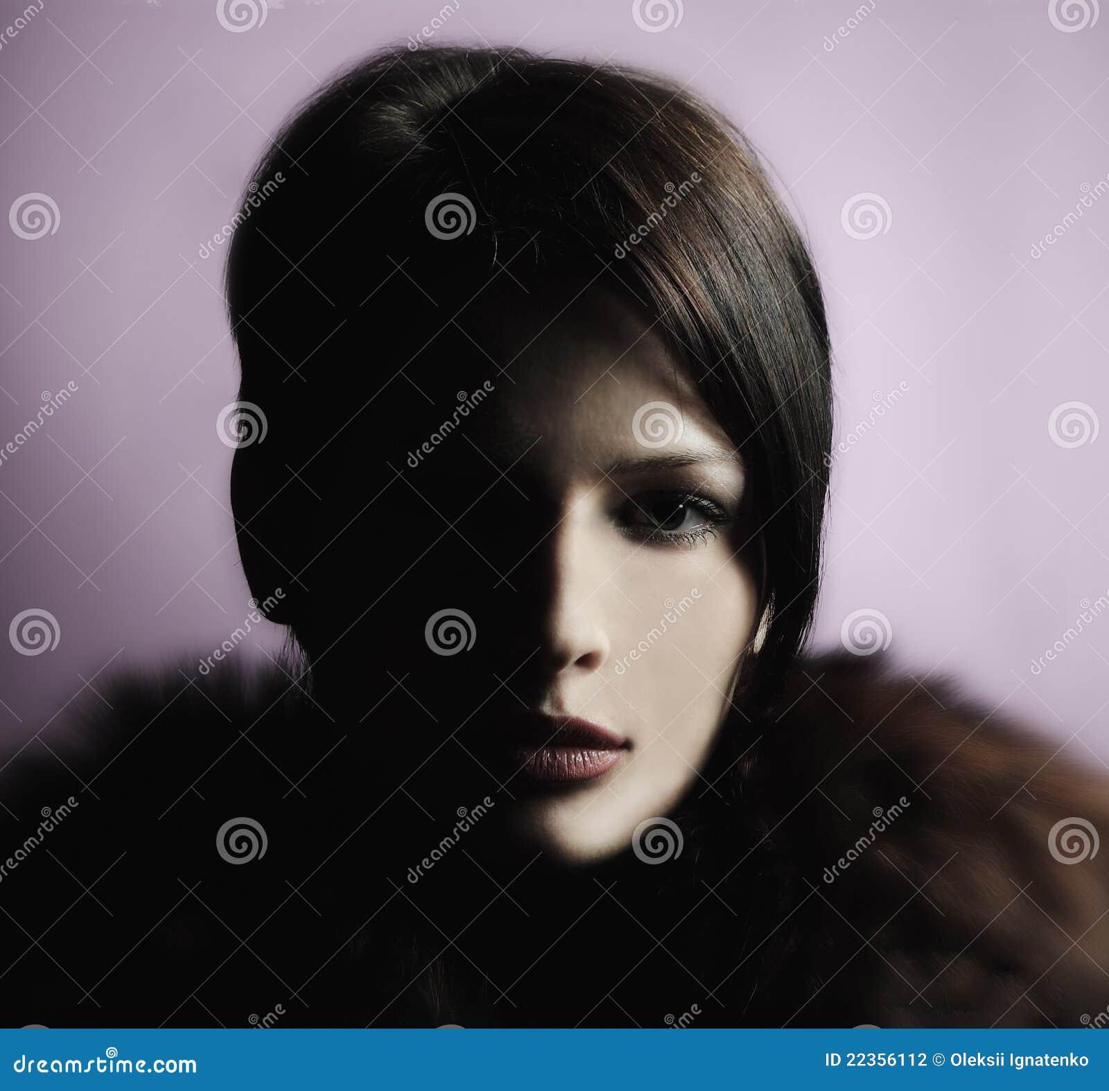 表面女孩半portrain影子