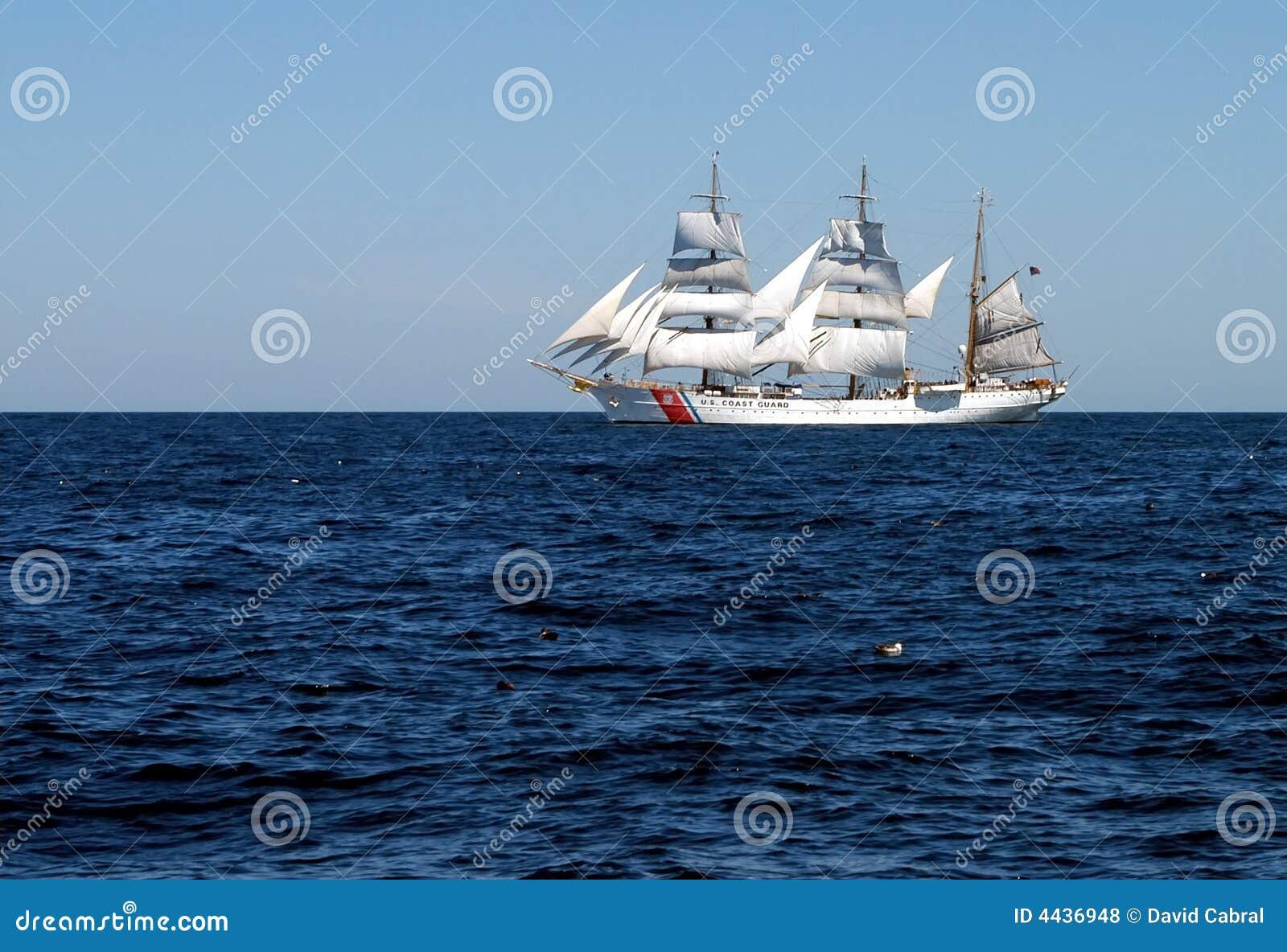 被上船桅的大篷车三