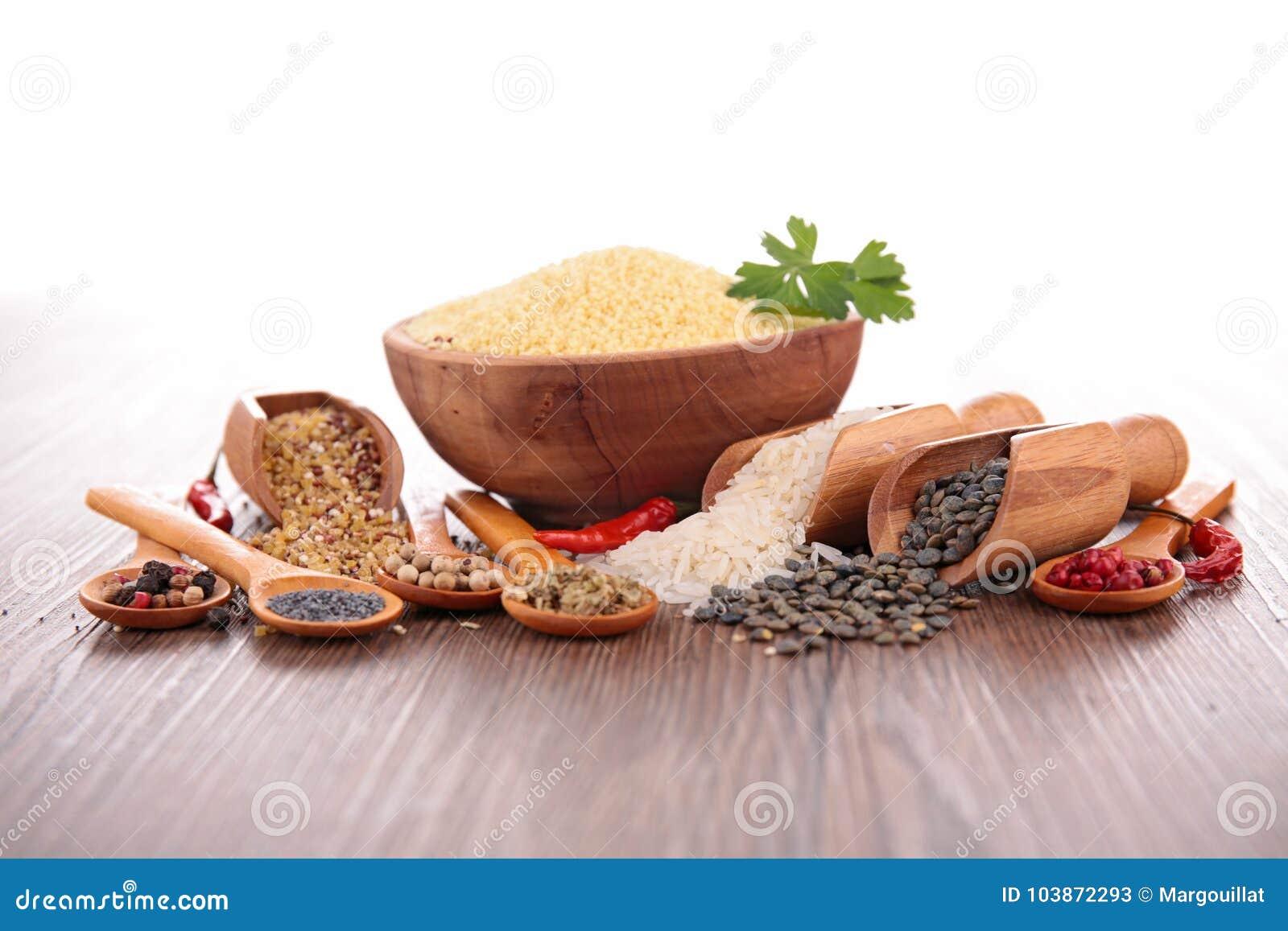 被分类的谷物和香料