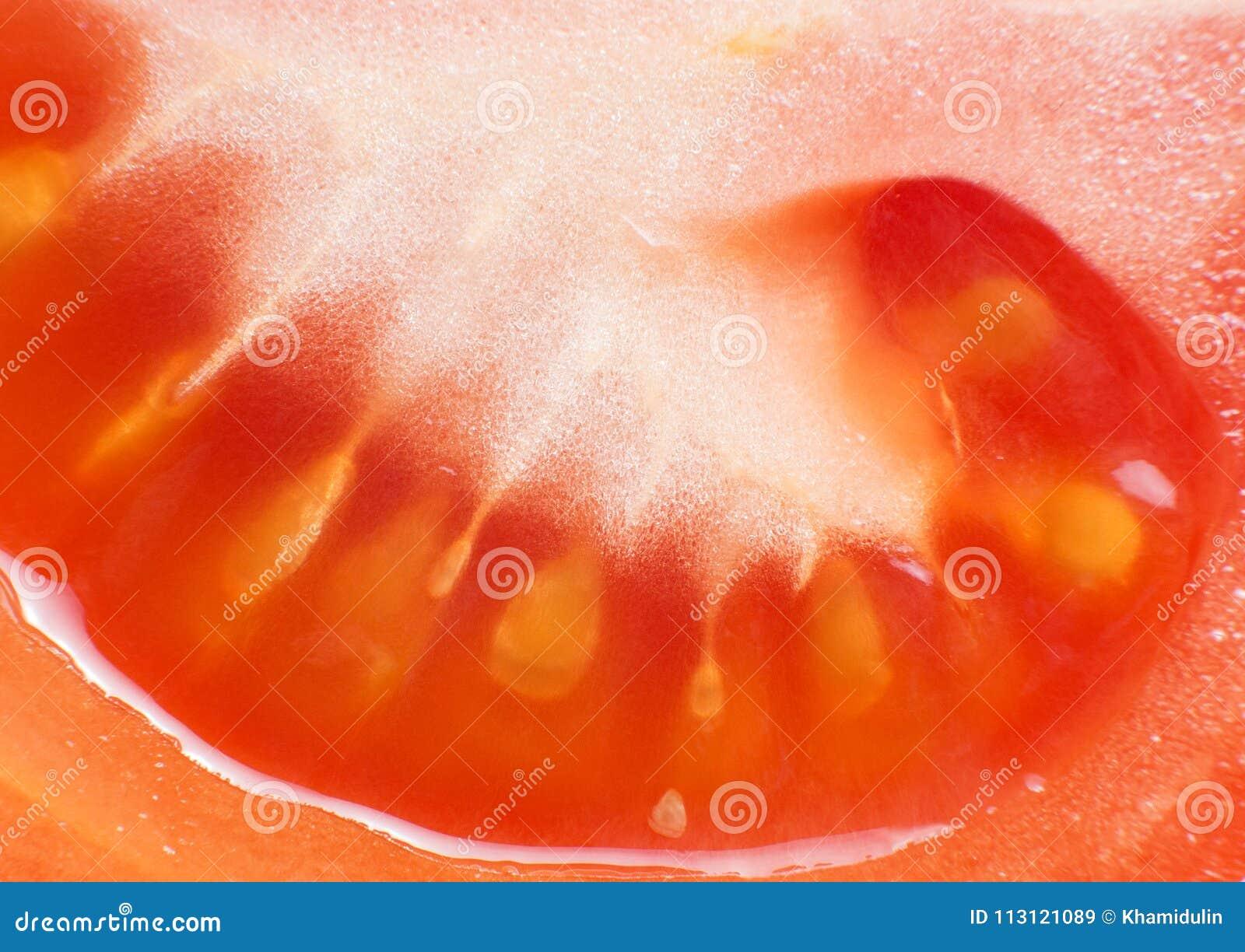 被切的蕃茄特写镜头宏指令照片