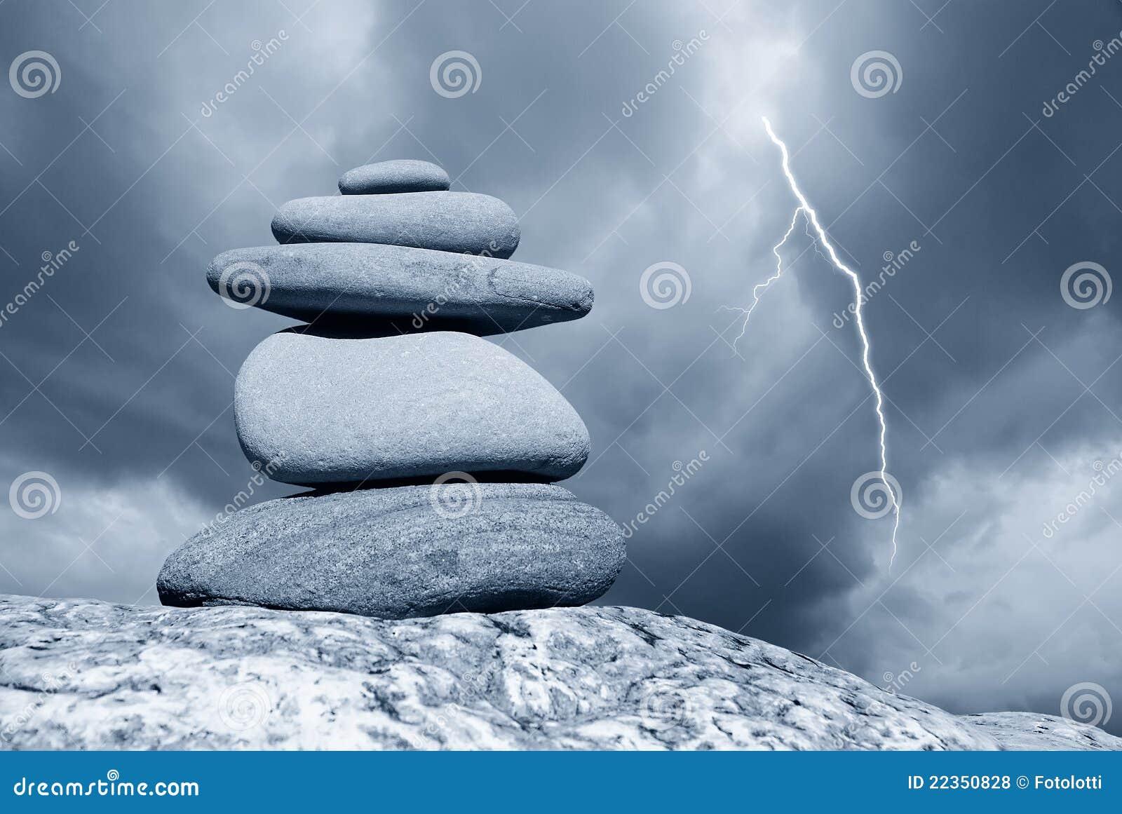 被堆积的石头