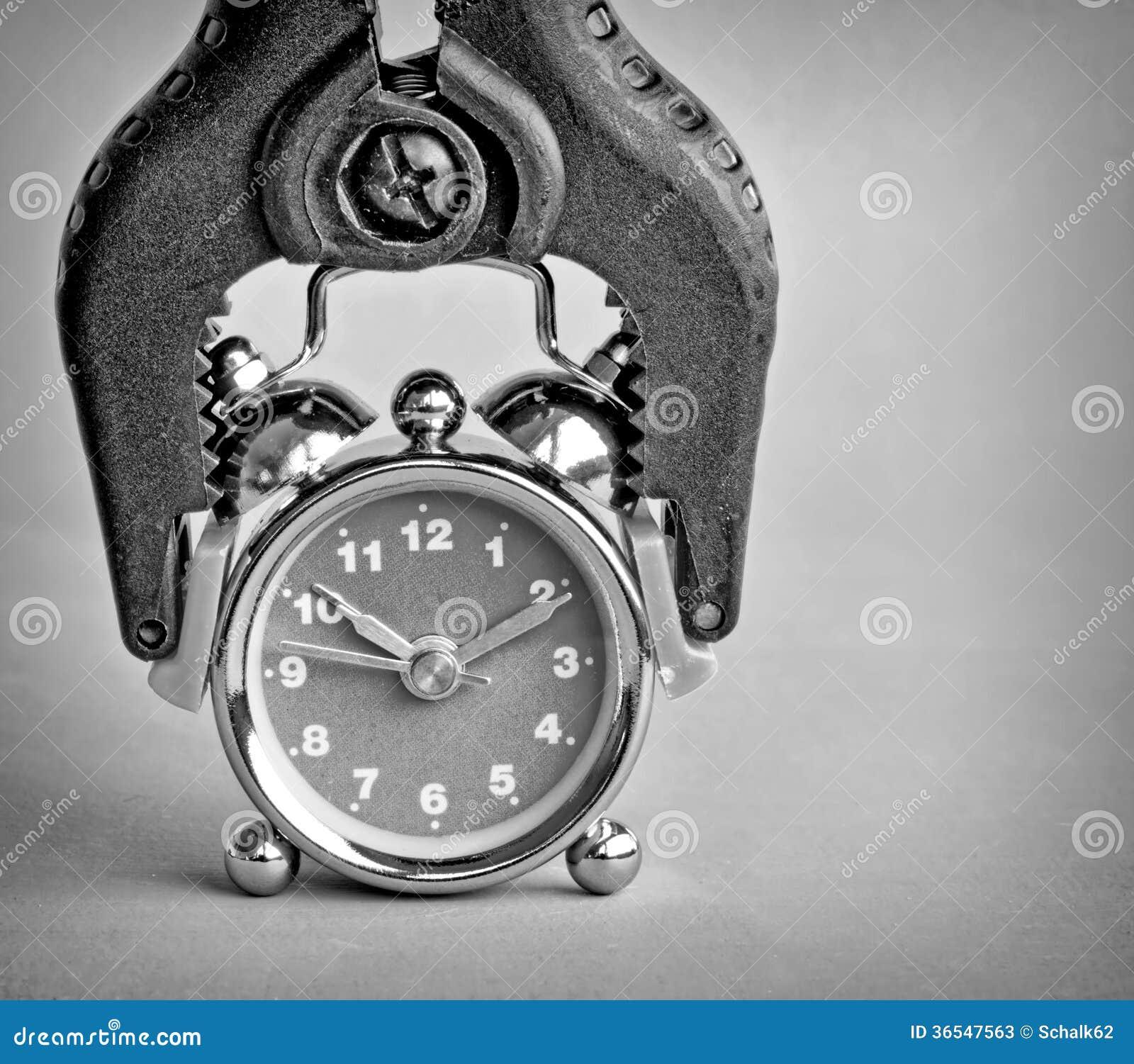 被夹住的时钟