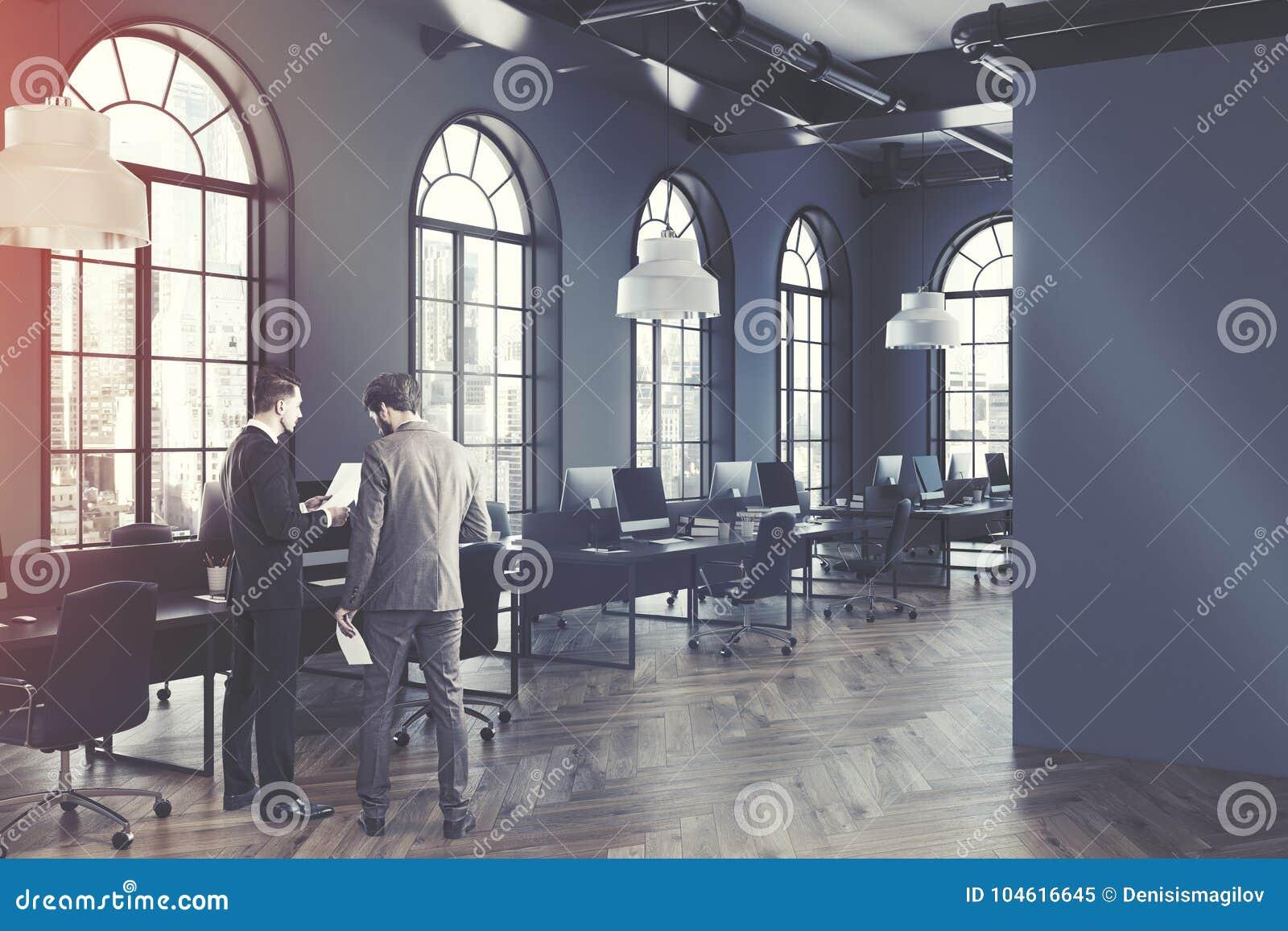 被定调子的灰色露天场所办公室内部边