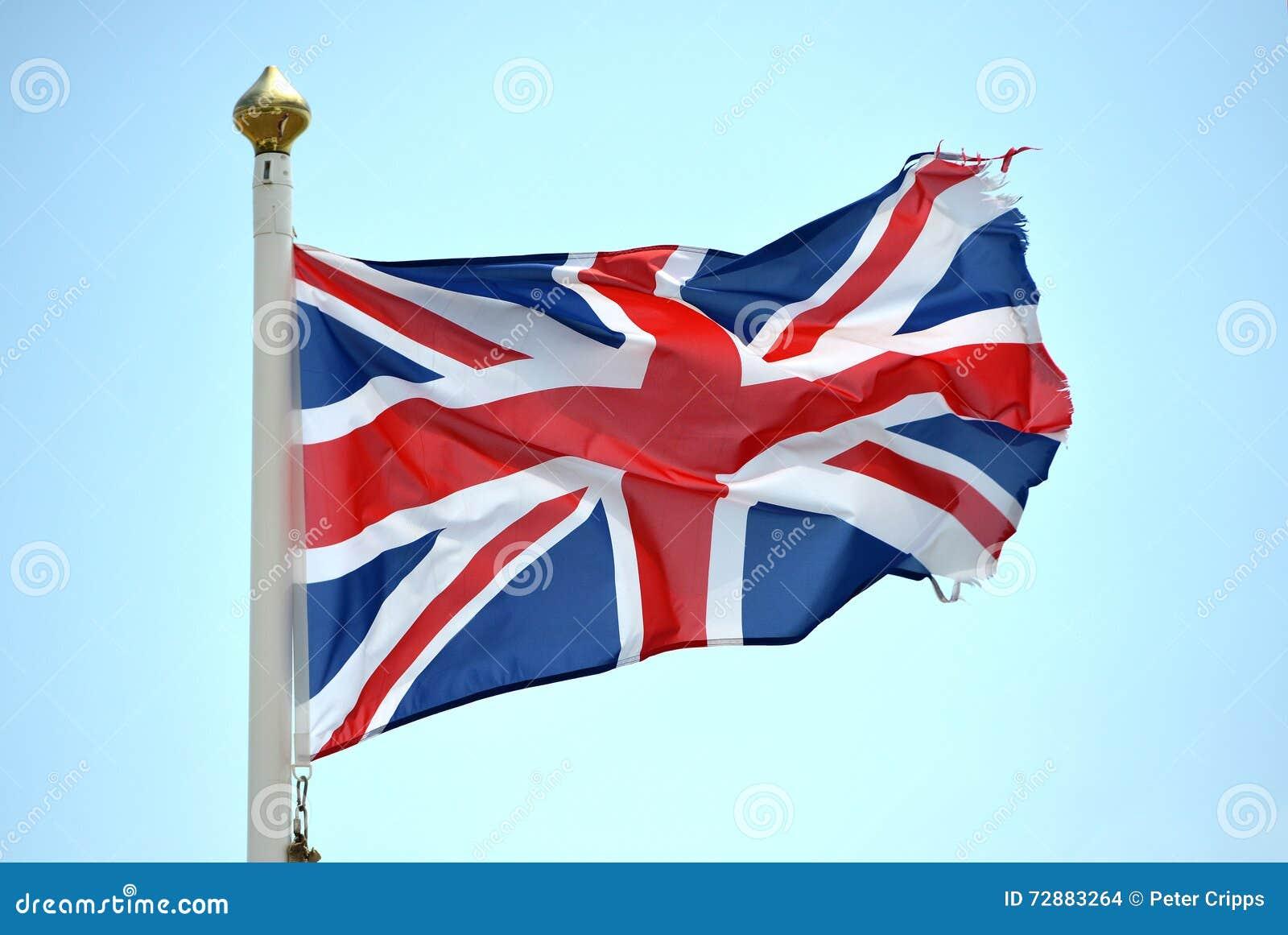 被撕碎的英国国旗