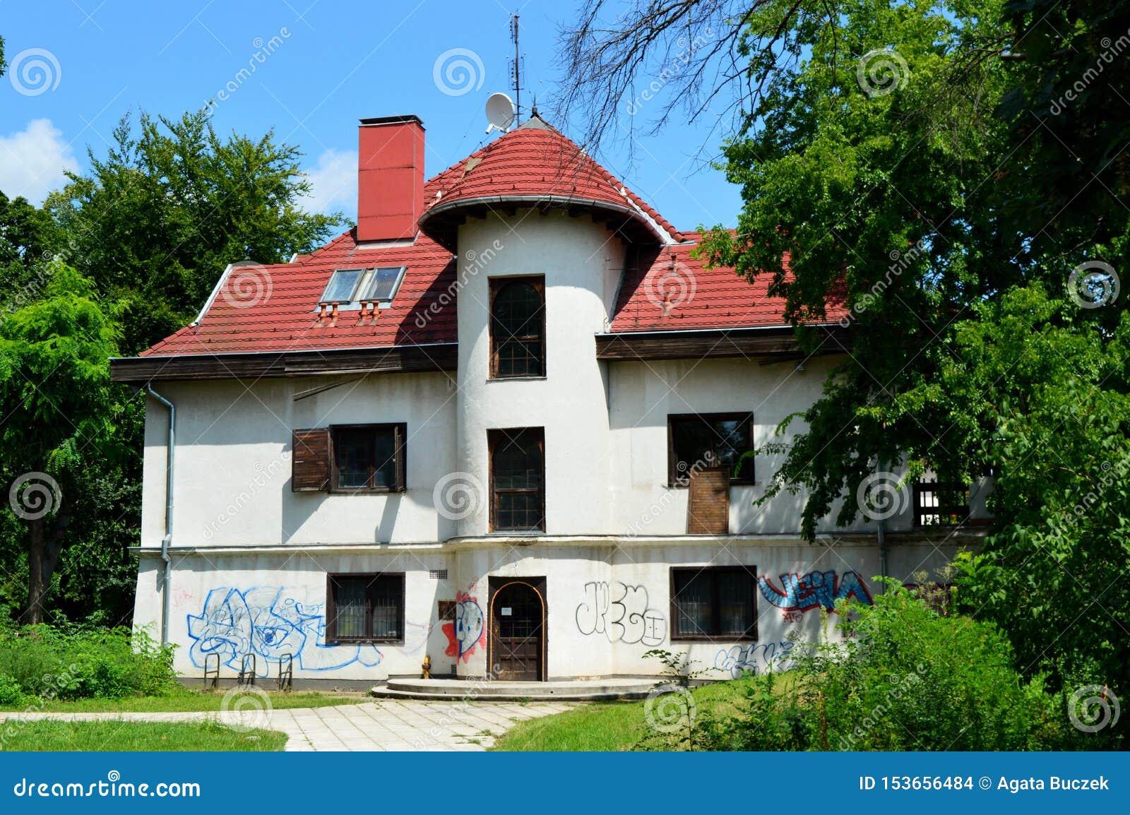 被放弃的房子在布达佩斯,匈牙利