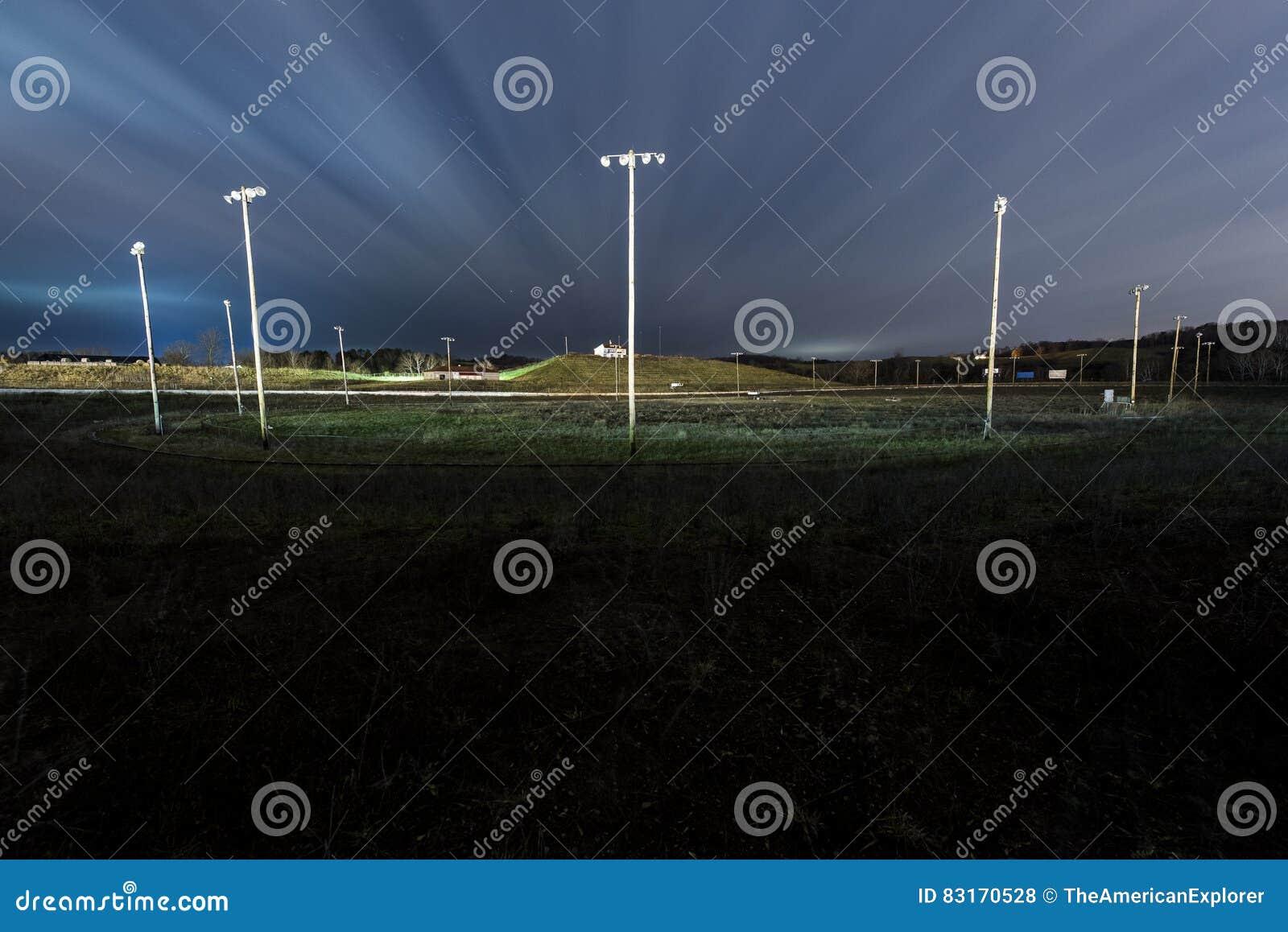 被放弃的西维吉尼亚汽车赛车场-矿物维尔斯,西维吉尼亚