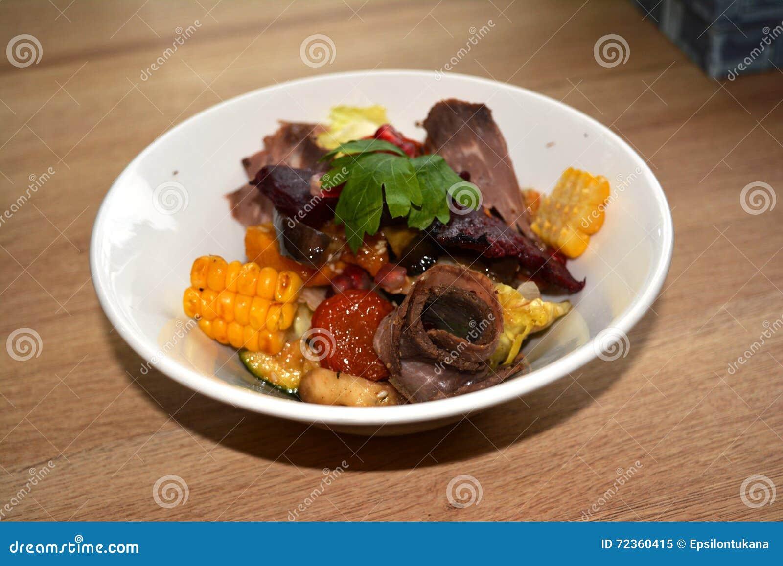 被炖的菜沙拉