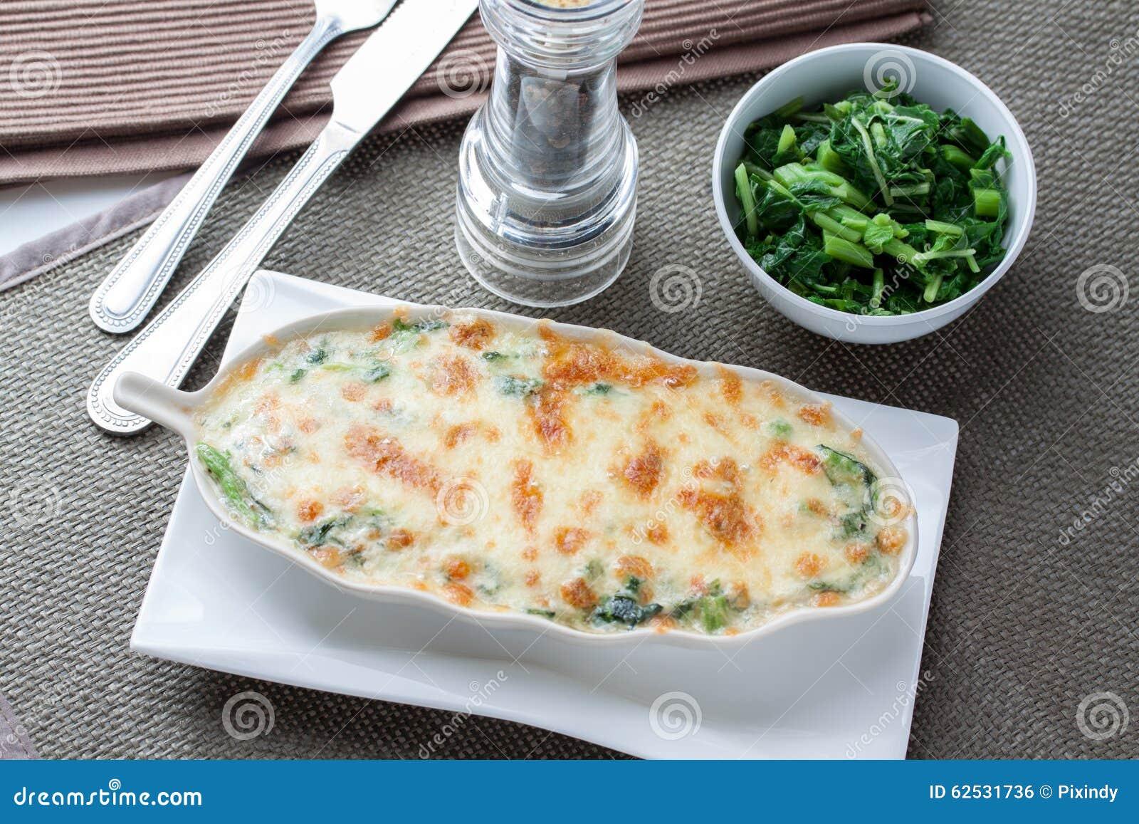 被烘烤的干酪菠菜