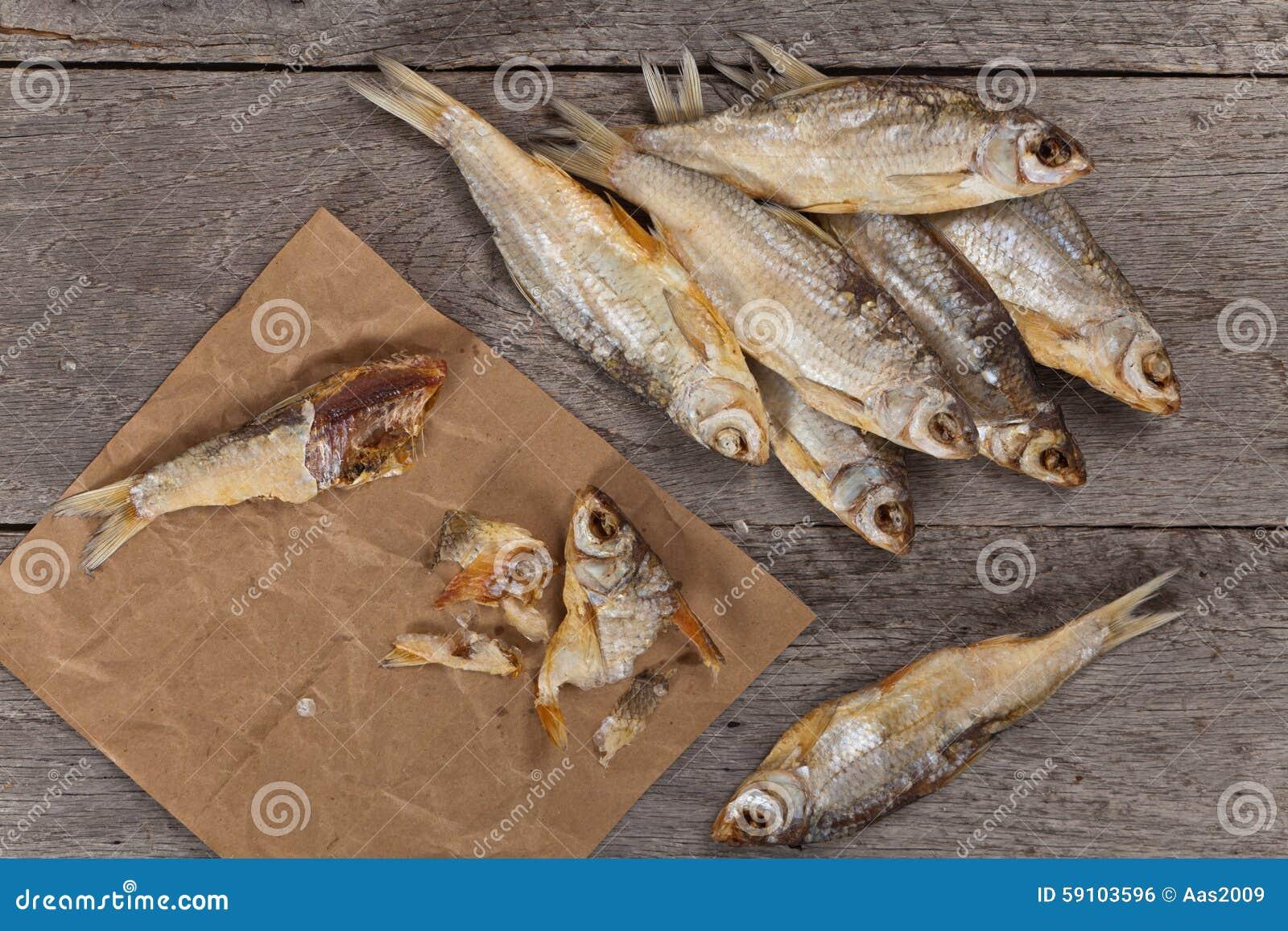 被盐溶的干鱼