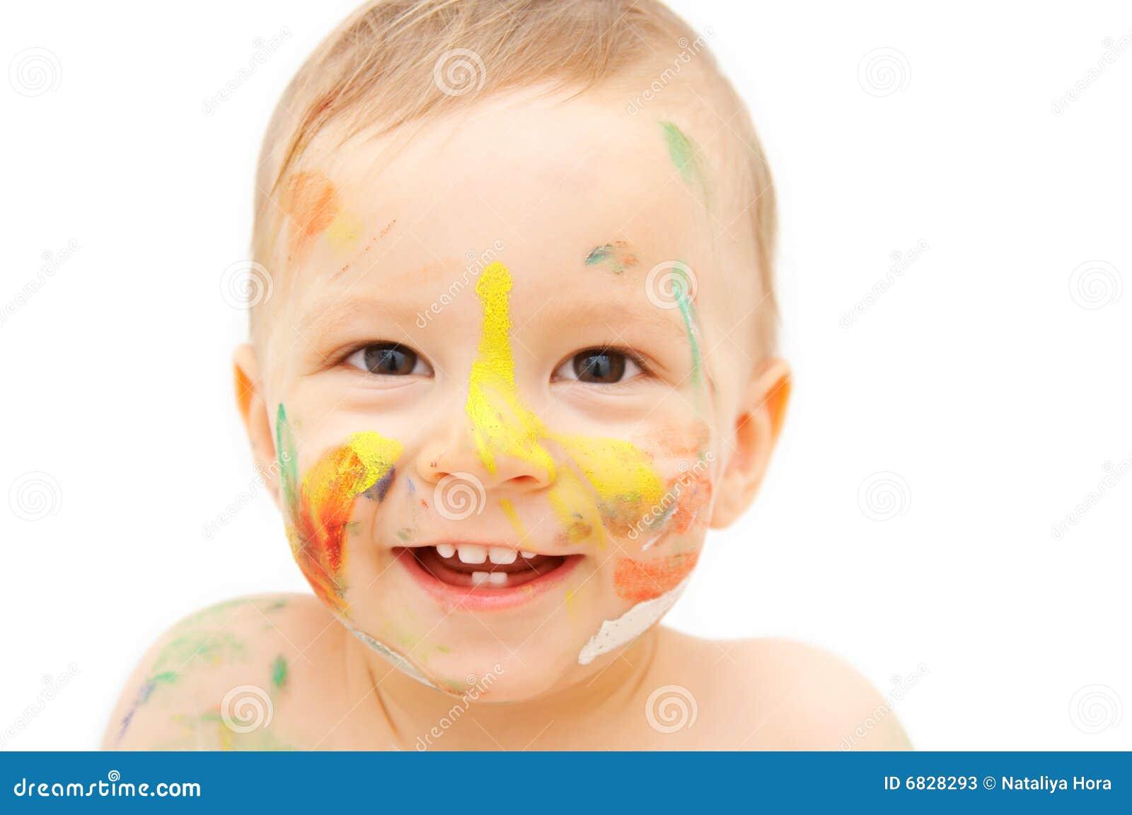 被绘的婴孩表面