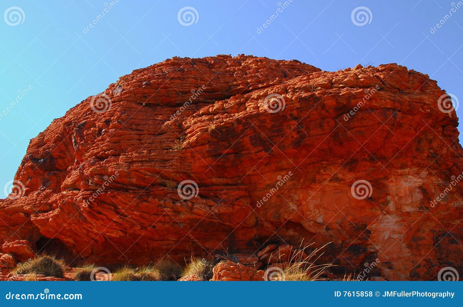 被腐蚀的红色岩石