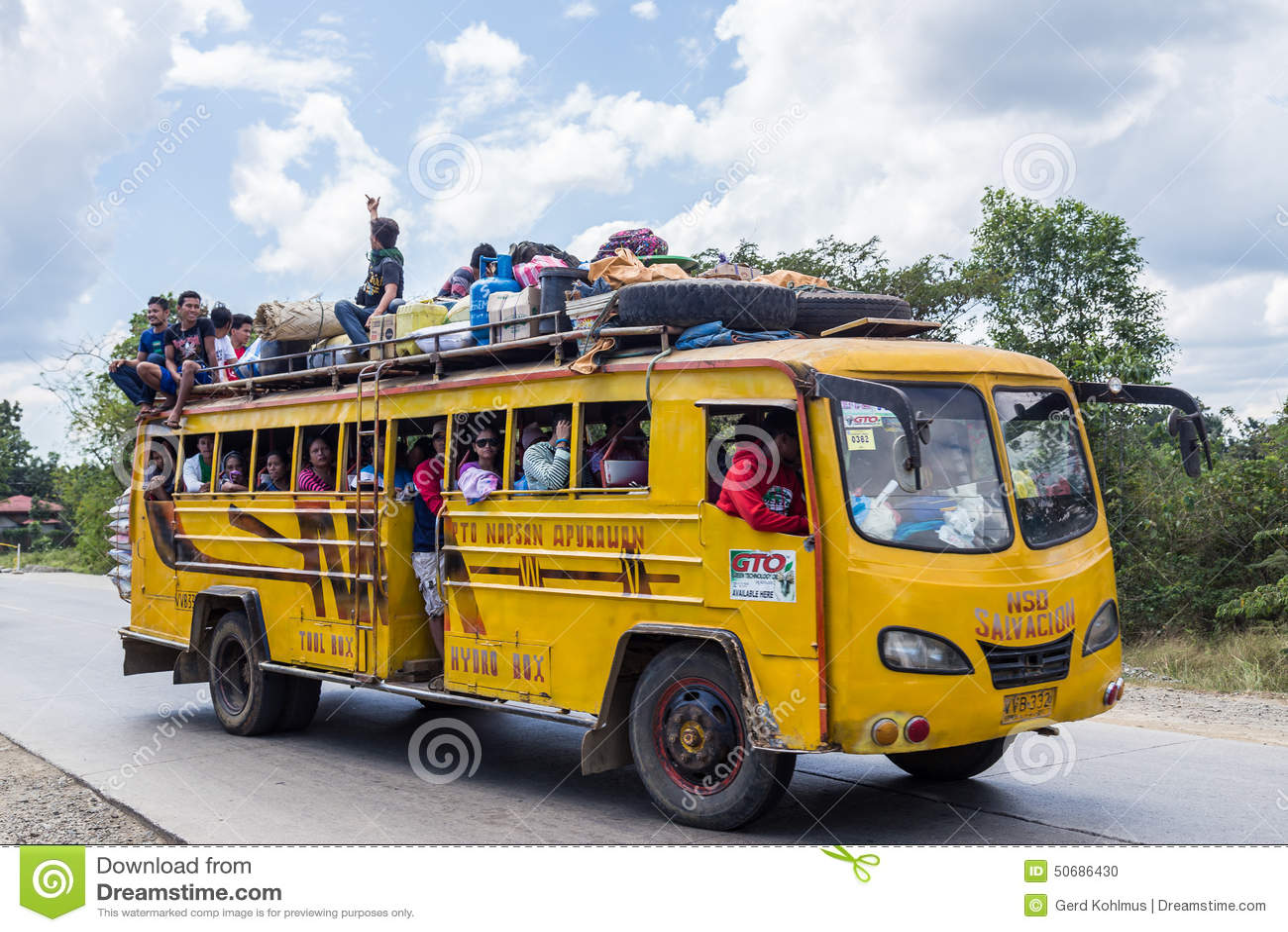 Download 被超载的公共汽车在菲律宾 编辑类图片. 图片 包括有 旅行, 运输, 菲律宾, 包装, 皮箱, 公共汽车 - 50686430