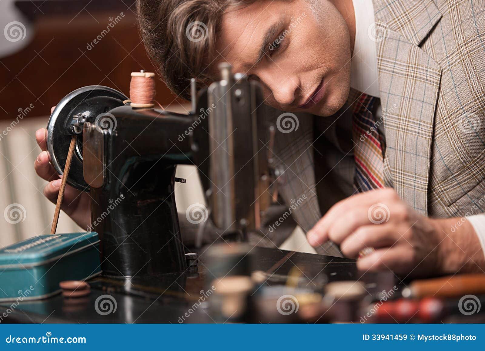 裁缝在工作.