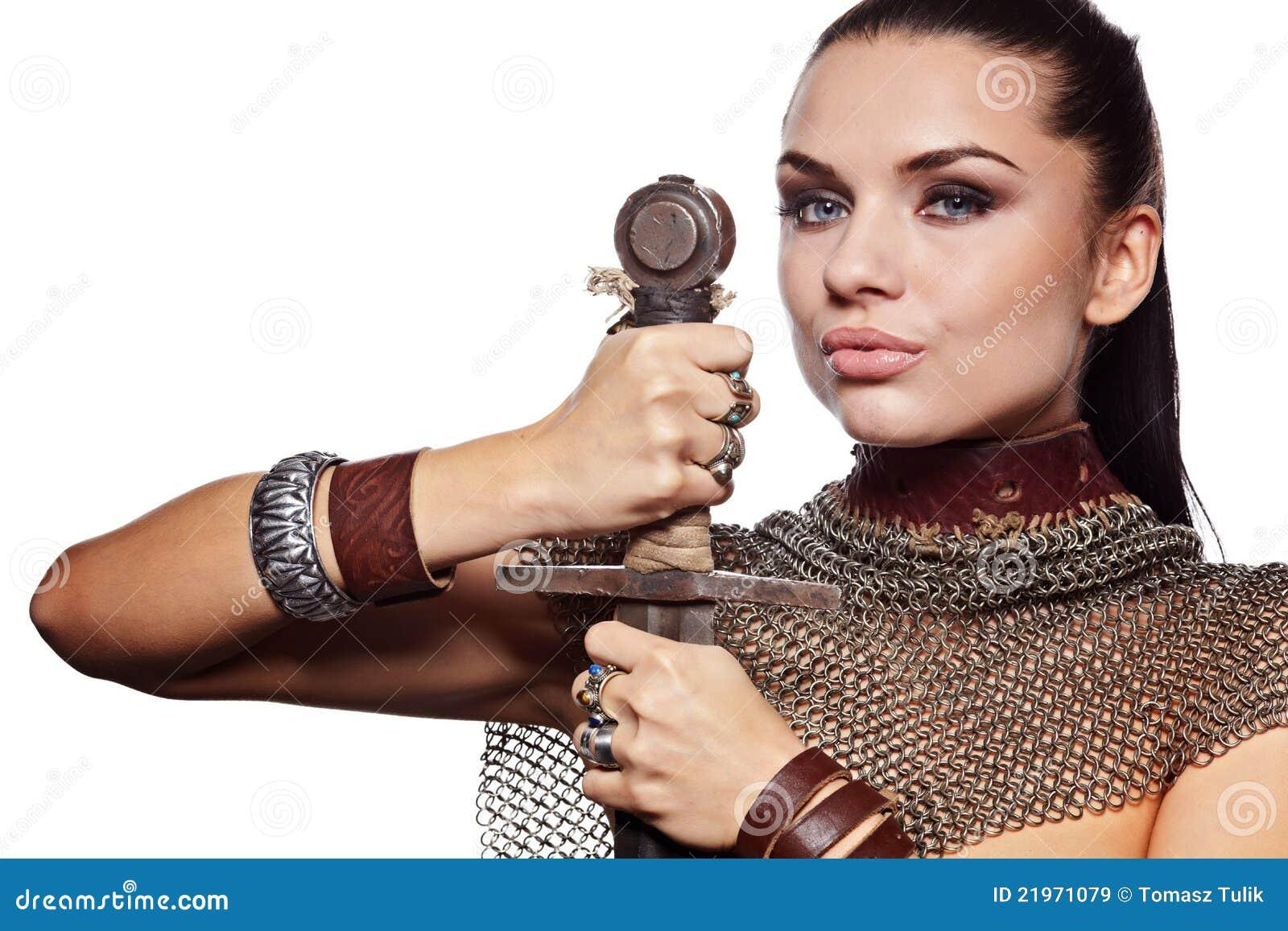 装甲女性骑士
