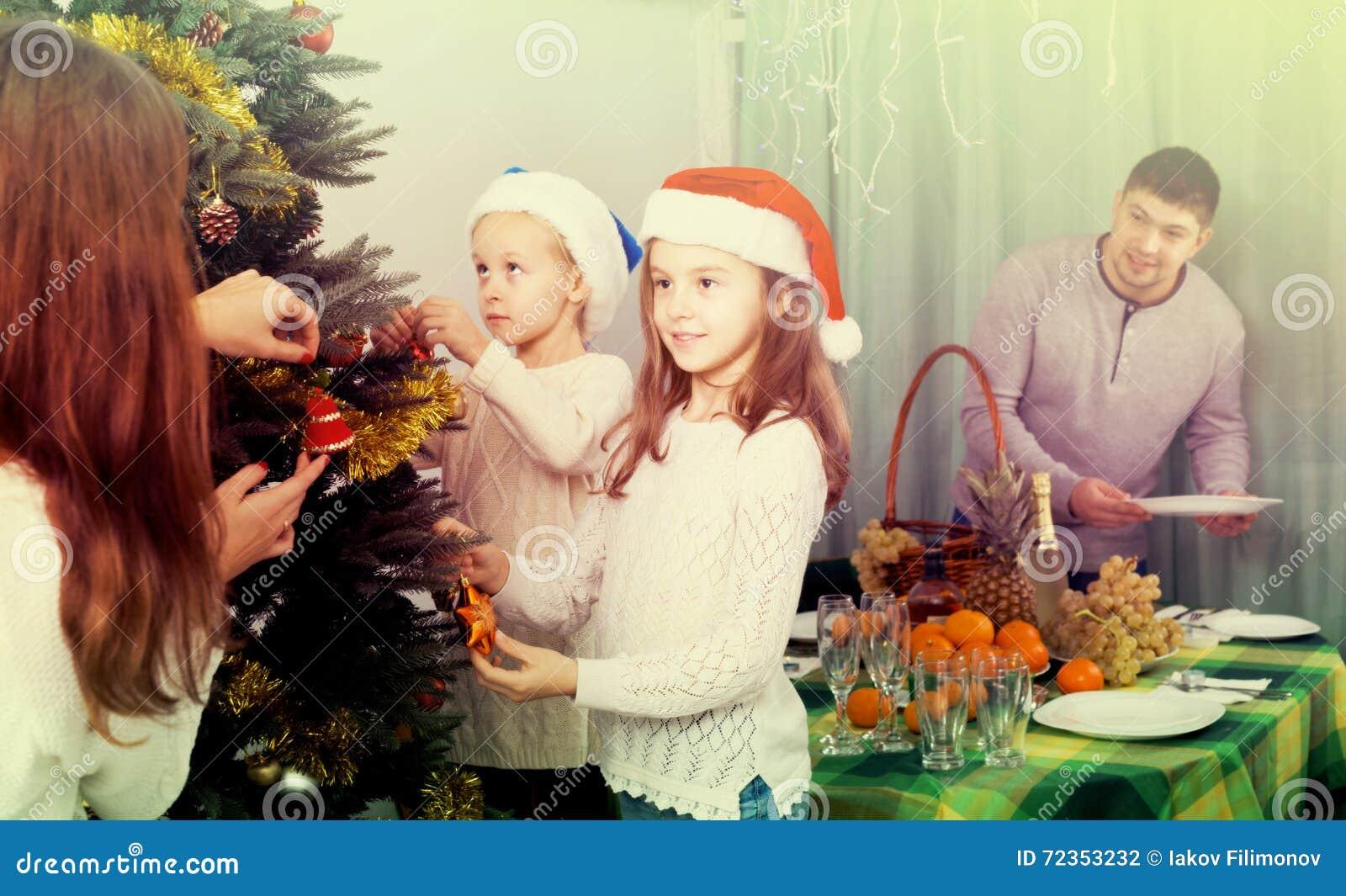 装饰房子结构树的圣诞节