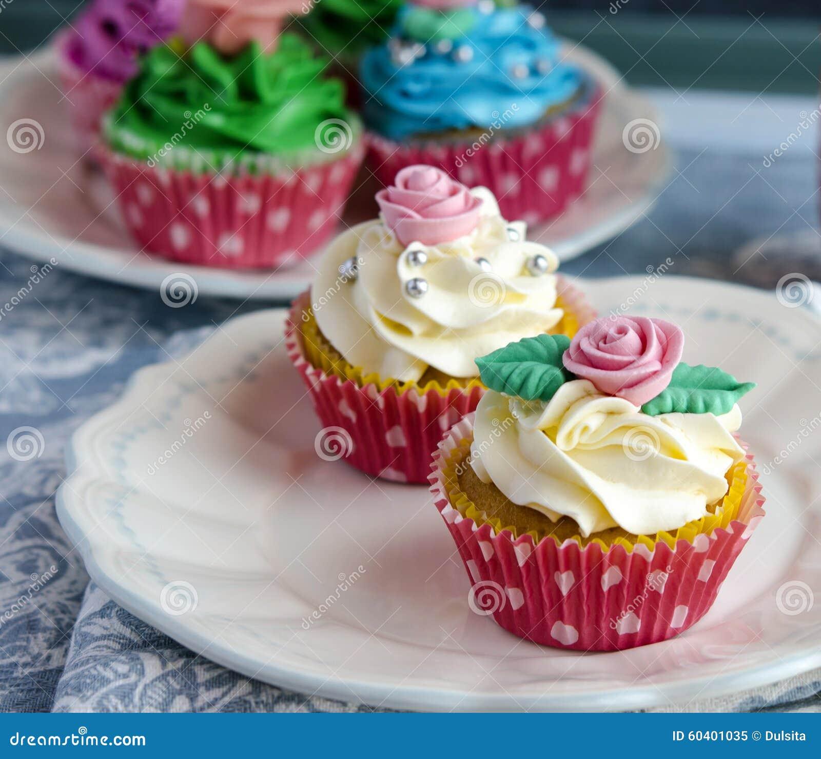 装饰的杯形蛋糕