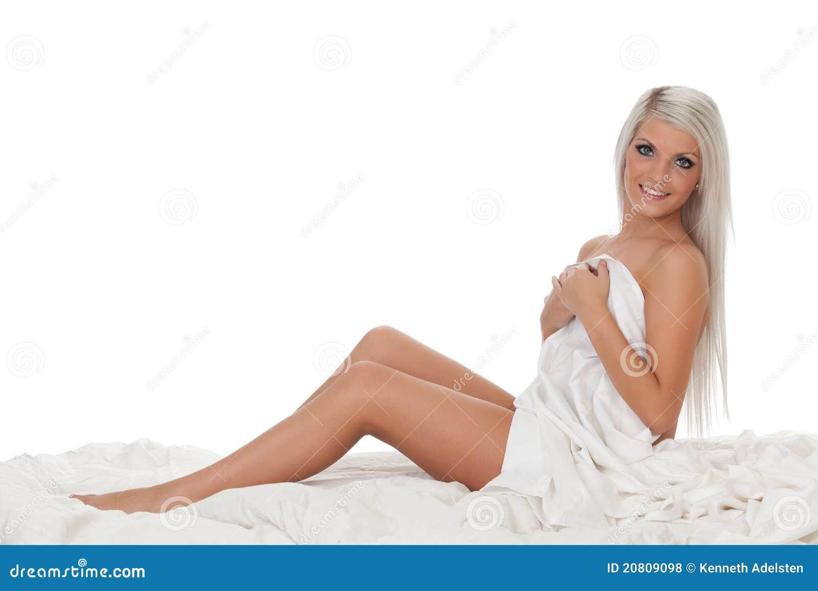 女孩人体_背景美丽的女孩查出的裸体空白年轻人.