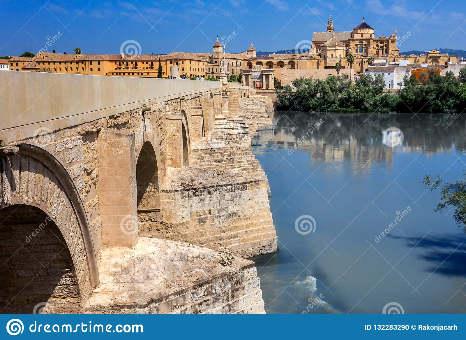 西班牙 科多巴老桥梁