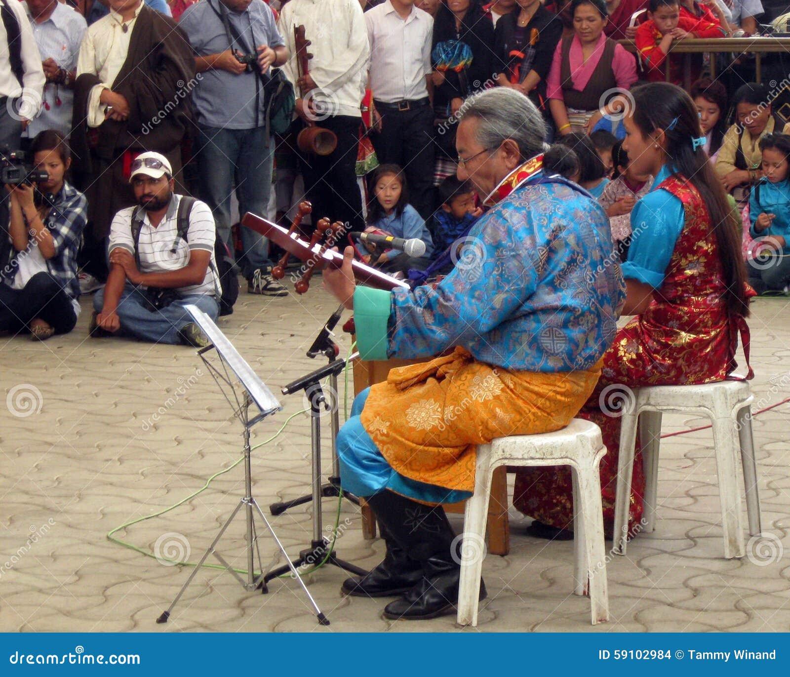 西藏流放在印度庆祝达赖喇嘛的生日