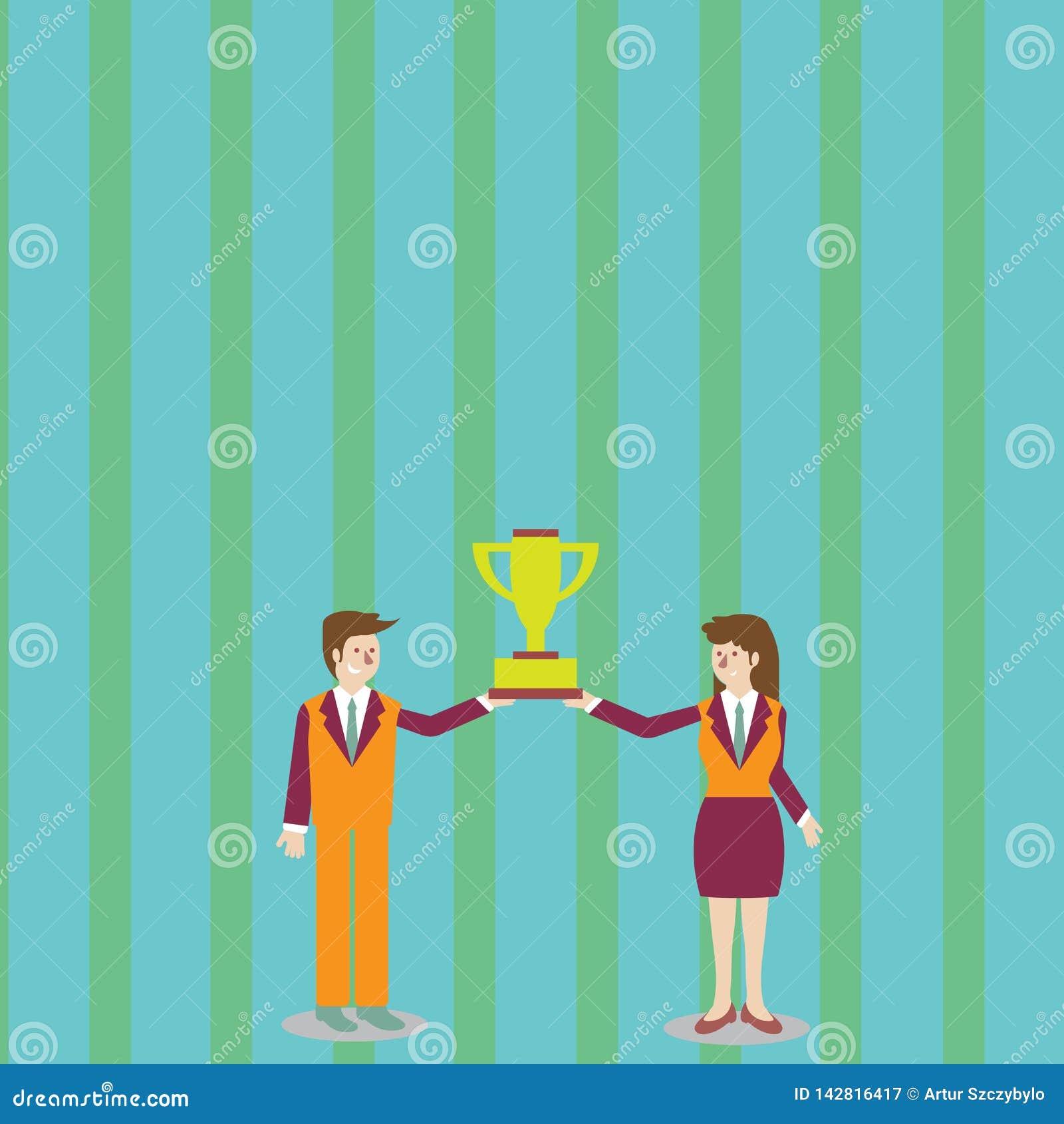 西装的相连冠军优胜者战利品杯在他们之间的男人和妇女 创造性的背景