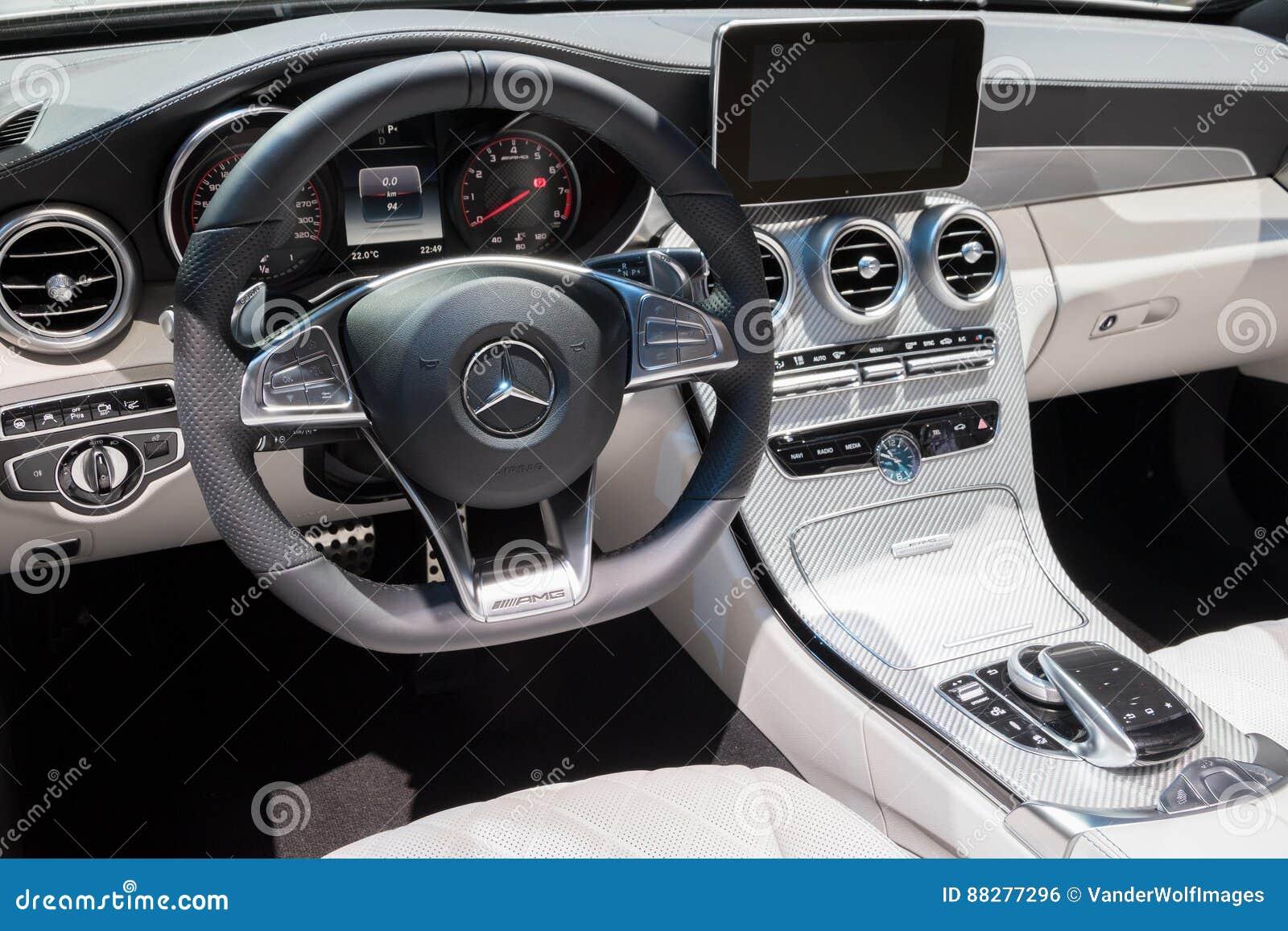默西迪丝AMG汽车内部