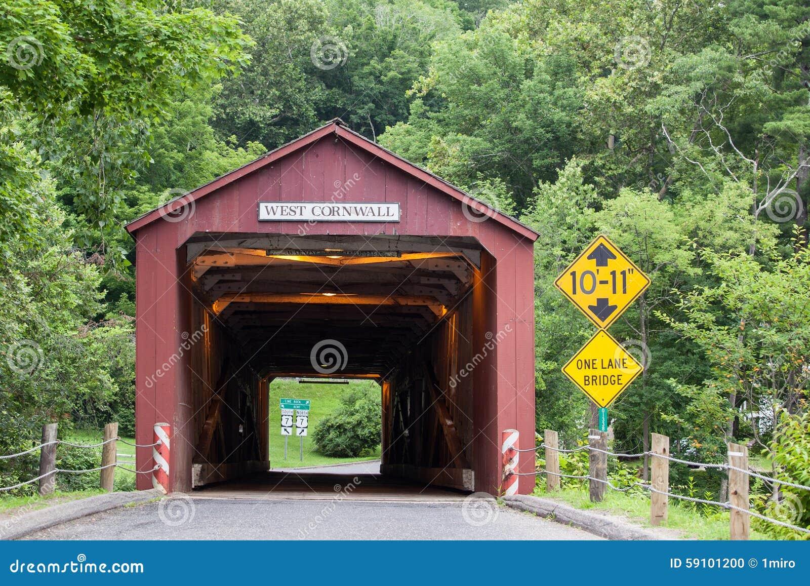 西部康沃尔郡被遮盖的桥