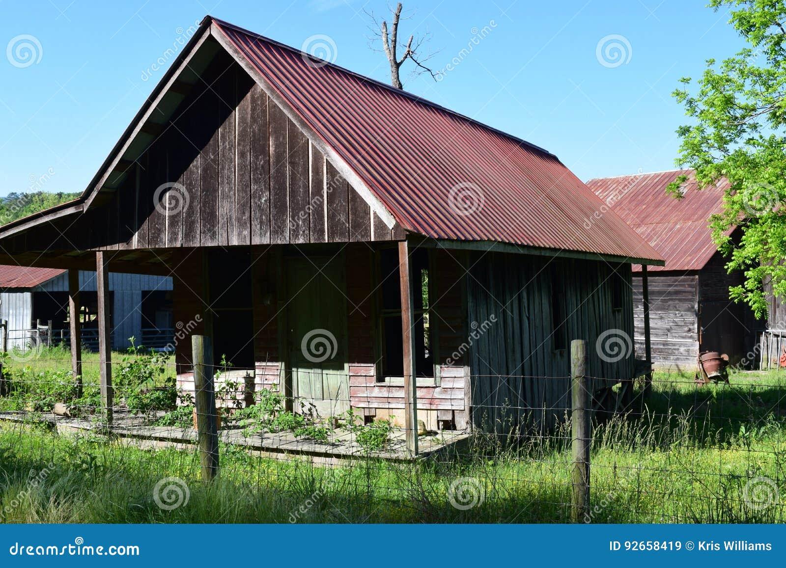 西部NC老农厂房子