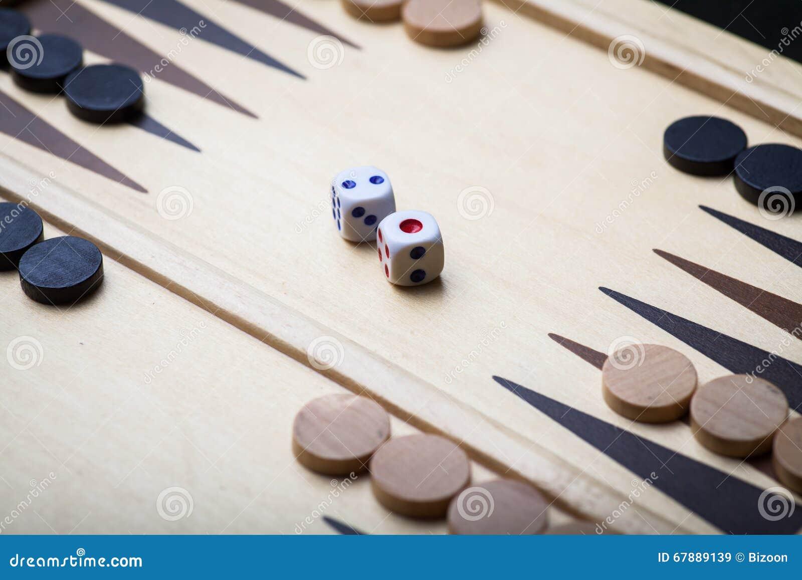 西洋双陆棋板和彀子