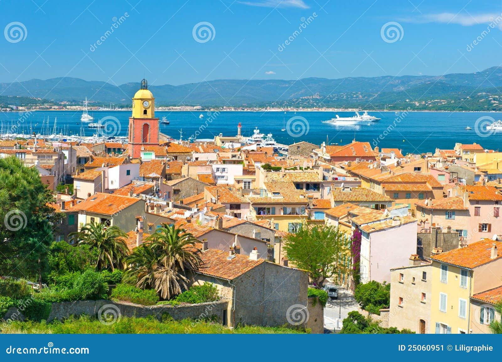 观点的有海运和蓝天的圣徒Tropez