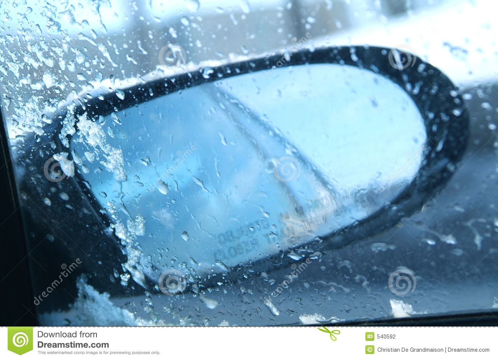 Download 视窗 库存照片. 图片 包括有 视窗, 汽车, 循环, 蓝色, 室外, 搅打器, 尘土 - 540592