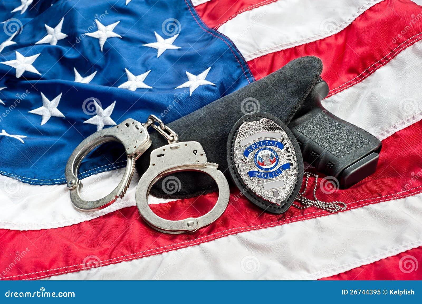警察证章并且开枪