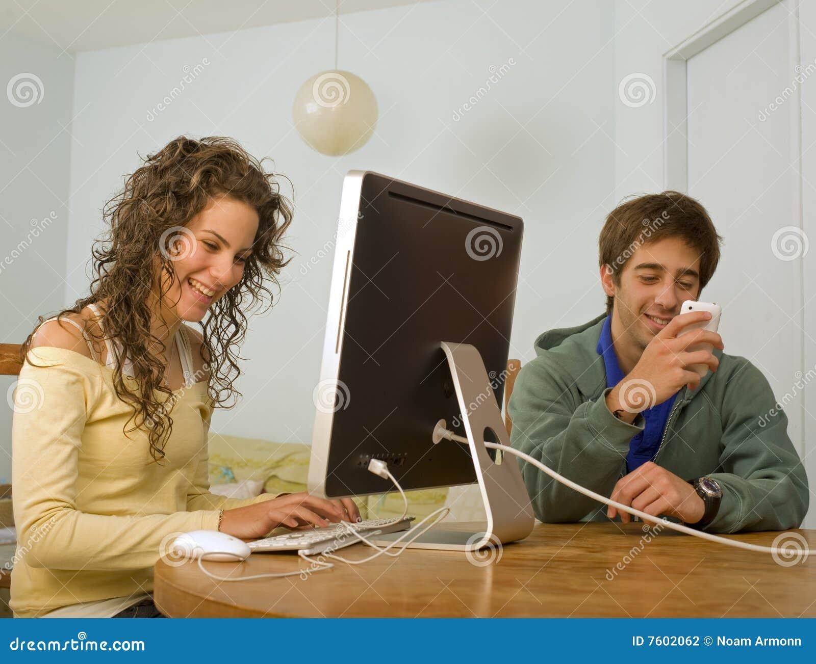计算机夫妇少年