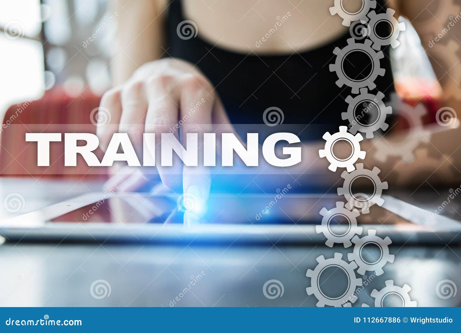 训练和发展专家成长 互联网和教育概念