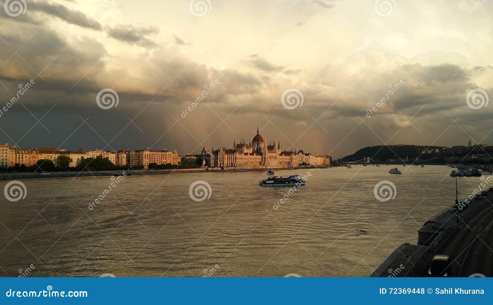 议会安置从河多瑙河的看法