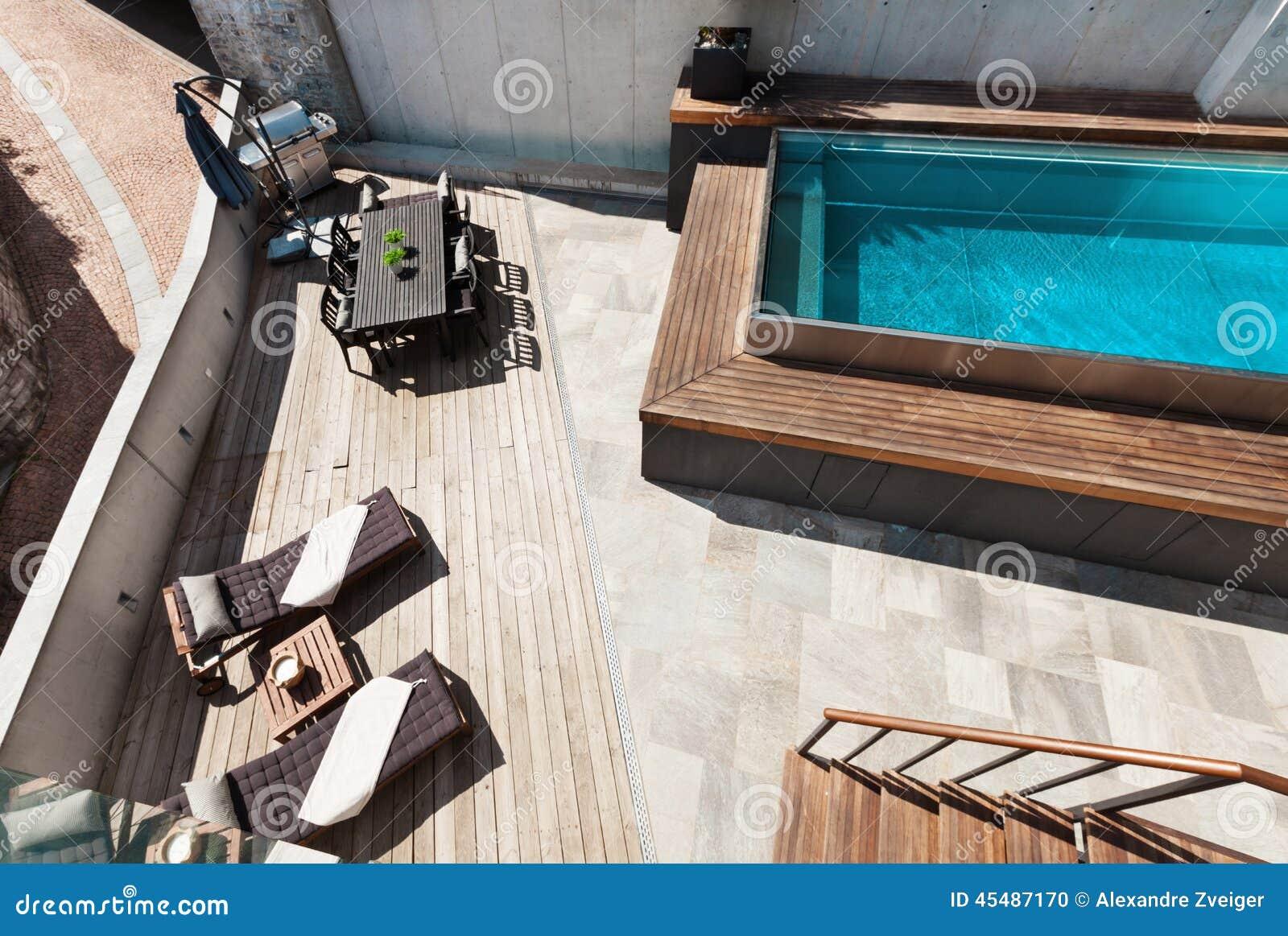 议院,游泳池视图