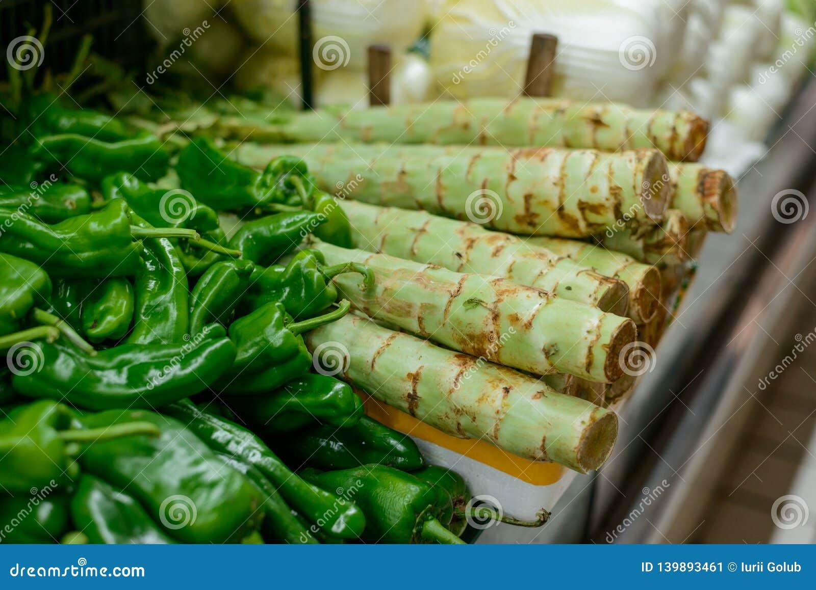 词根莴苣和青椒