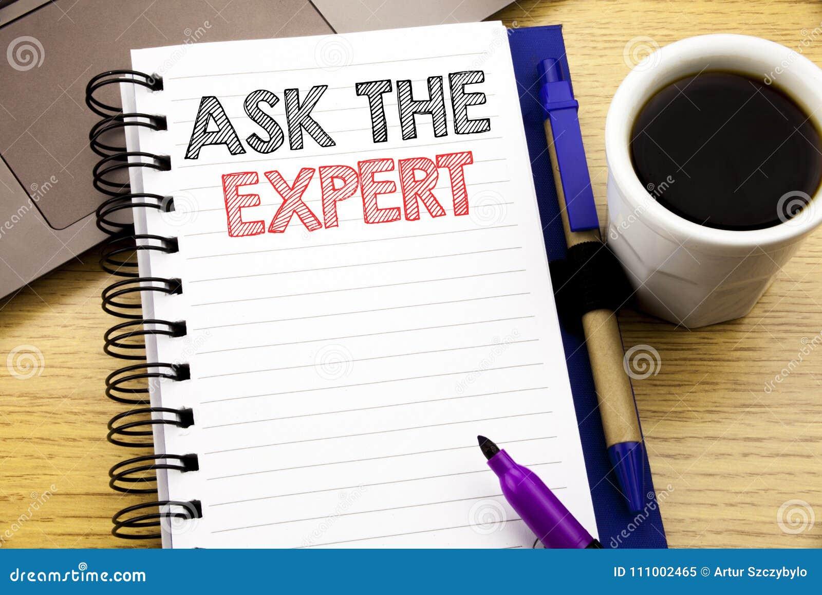 词,写要求专家 忠告在木背景的笔记本书写的帮助问题的企业概念在O