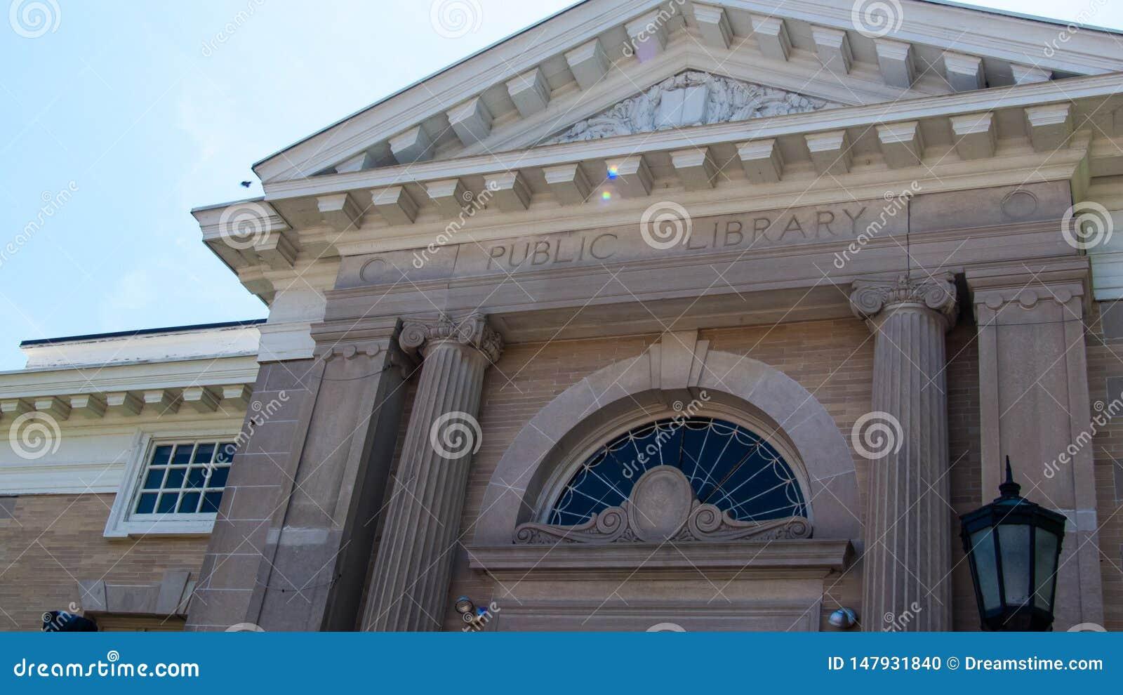 诺瓦克公立图书馆康涅狄格大理石大厦,古希腊感受