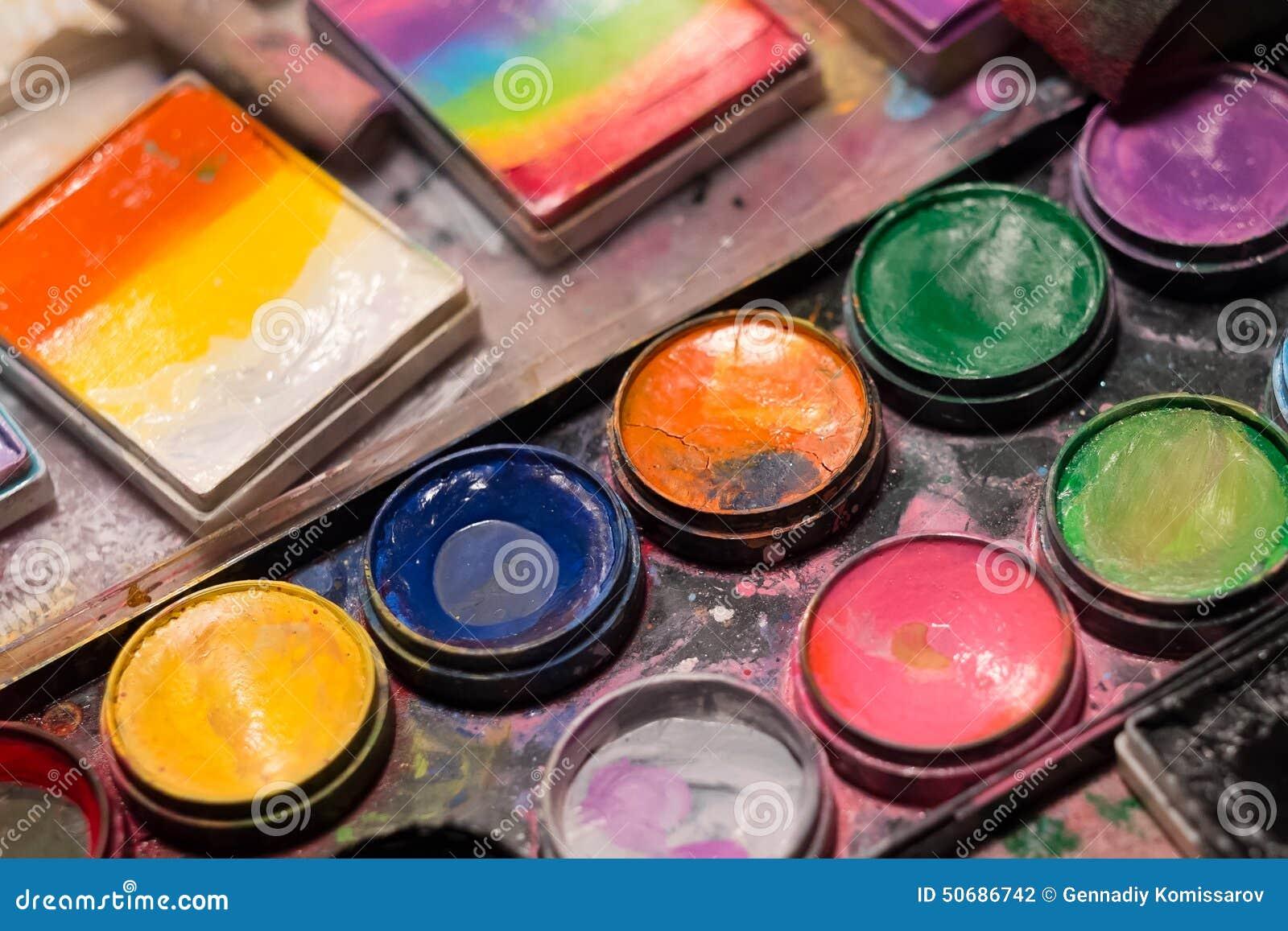Download 调色板 库存照片. 图片 包括有 示例, 油漆, 的treadled, 美妙地, 技艺家, brusher - 50686742