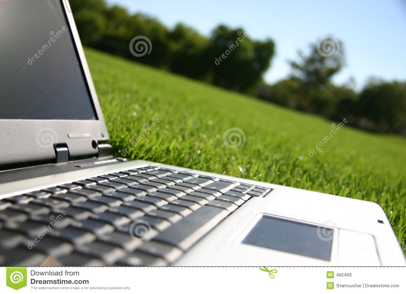 调遣膝上型计算机