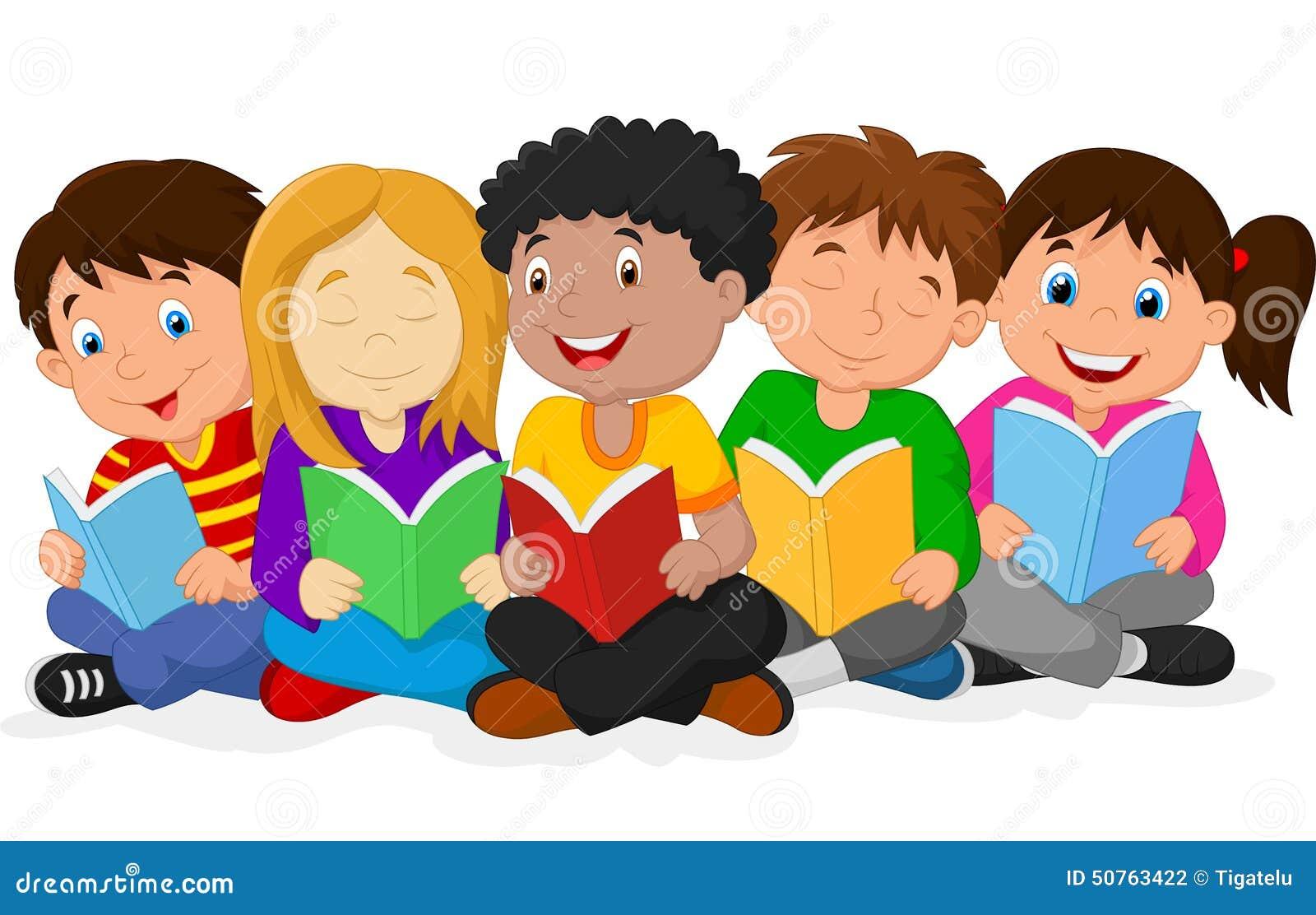 说谎在地板上的愉快的儿童动画片,当阅读书时